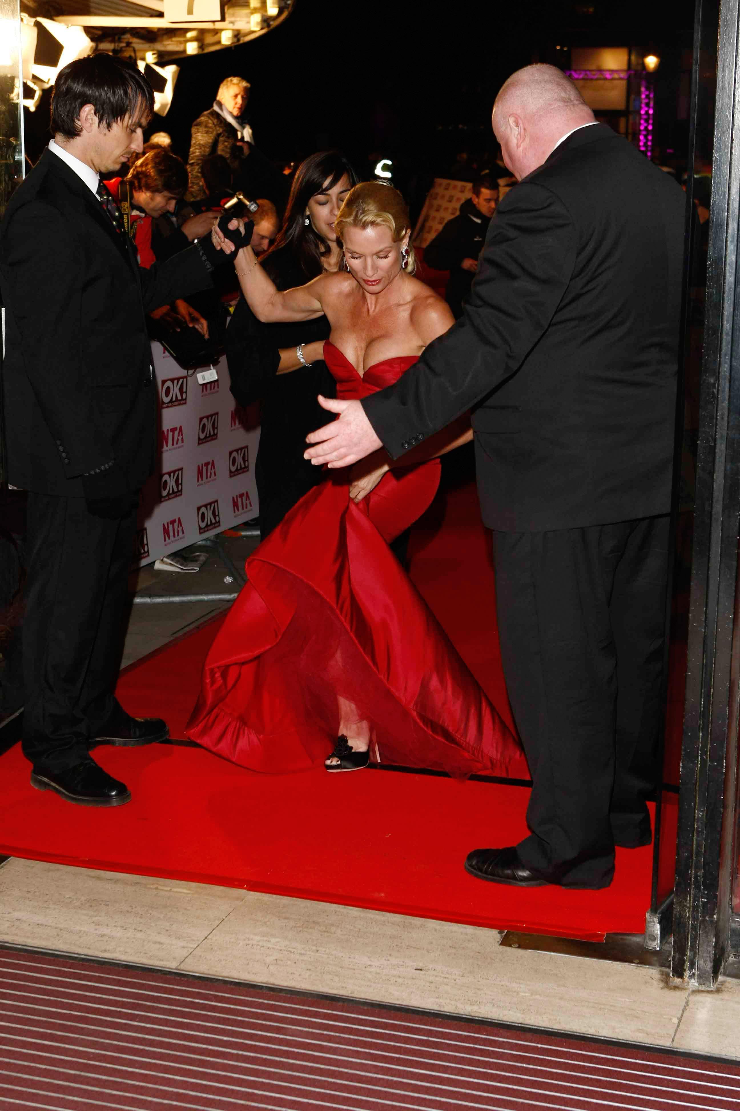 15490_Celebutopia-Nicollette_Sheridan-2008_National_Television_Awards-10_122_398lo.jpg