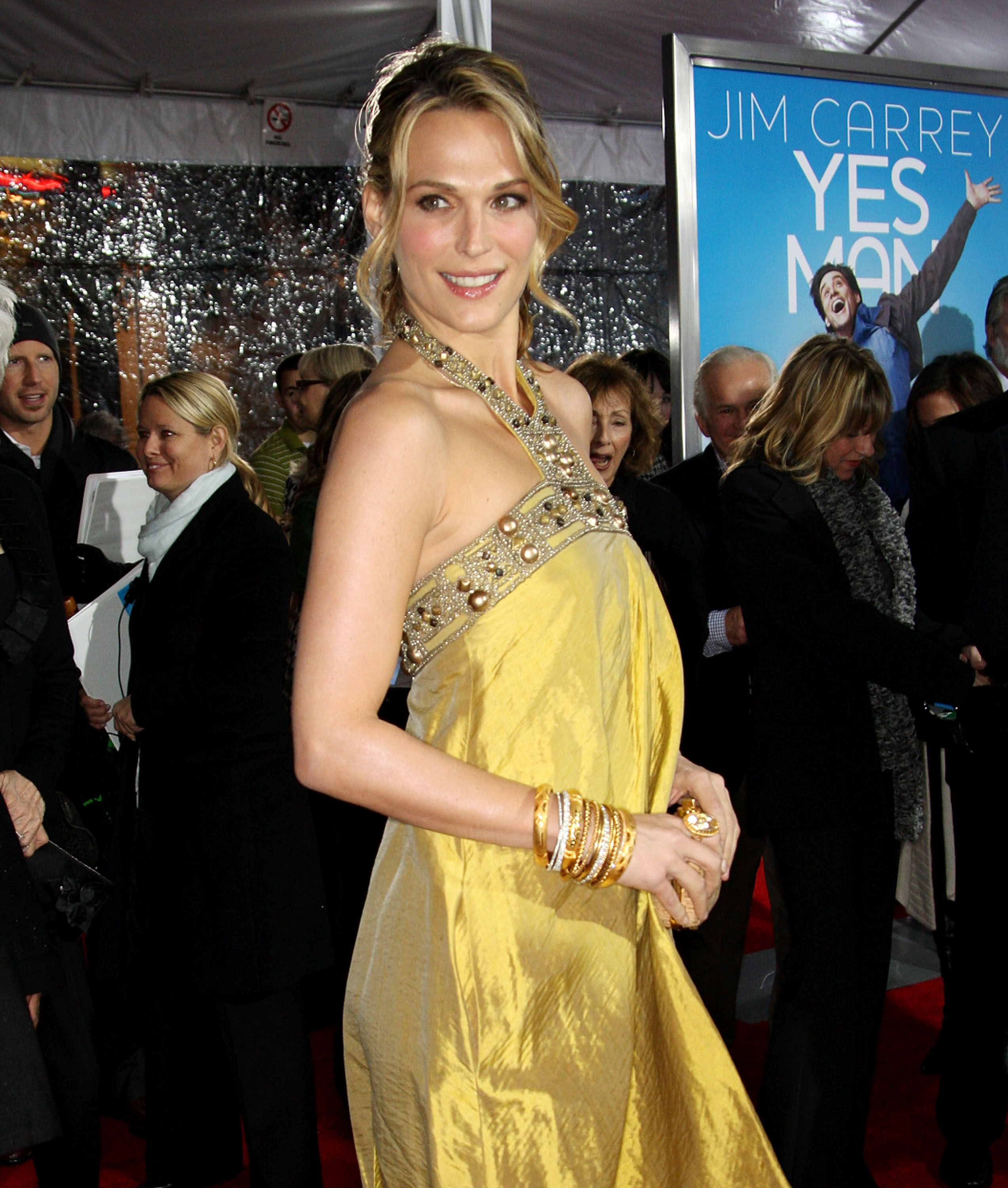 84038_Celebutopia-Molly_Sims-Yes_Man_premiere_in_Los_Angeles-09_122_194lo.jpg