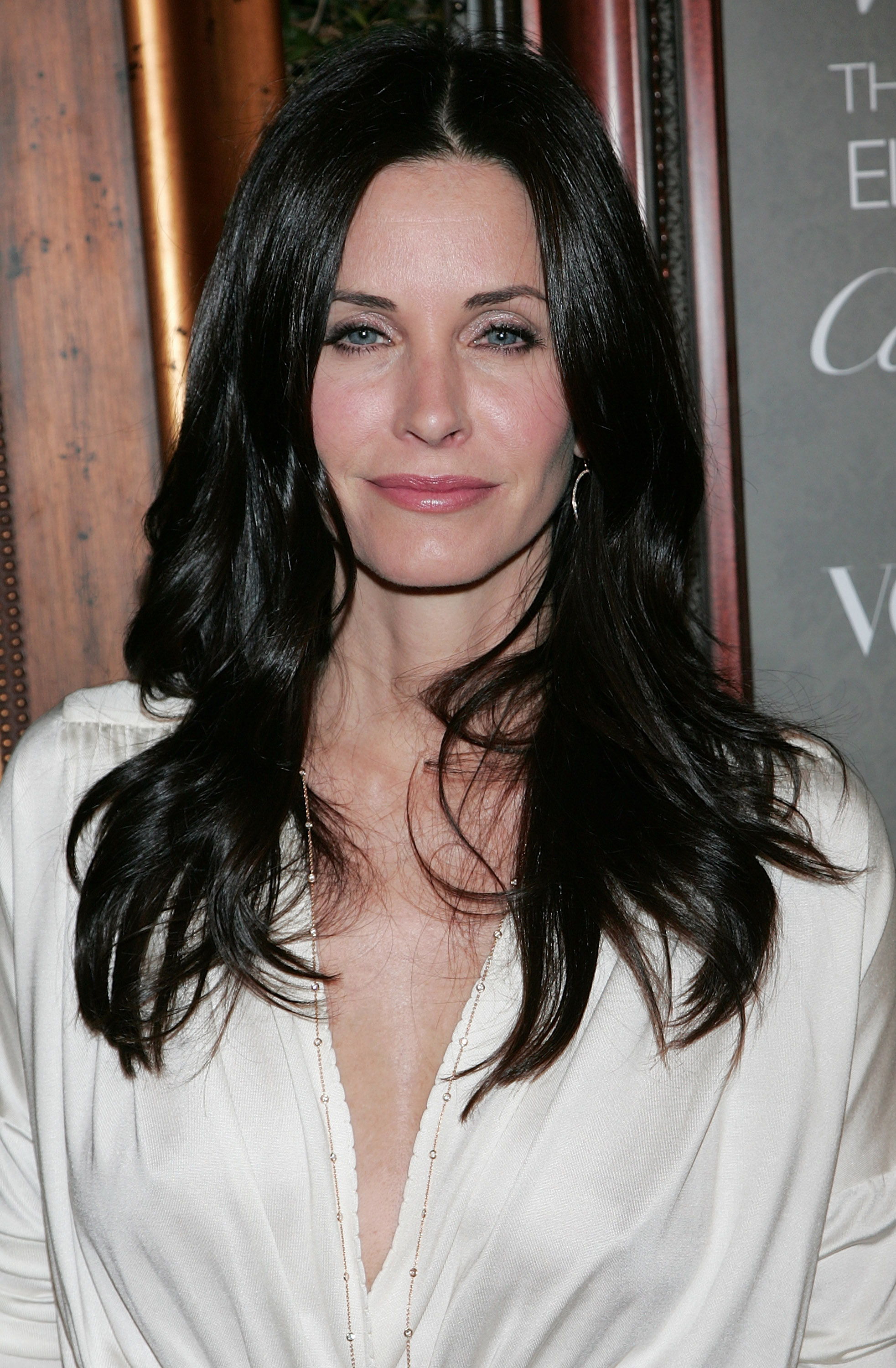 74717_Celebutopia-Courteney_Cox_arrives_at_the_The_Art_Of_Elysium11s_2nd_Annual_Black_Tie_Gala-01_122_258lo.jpg