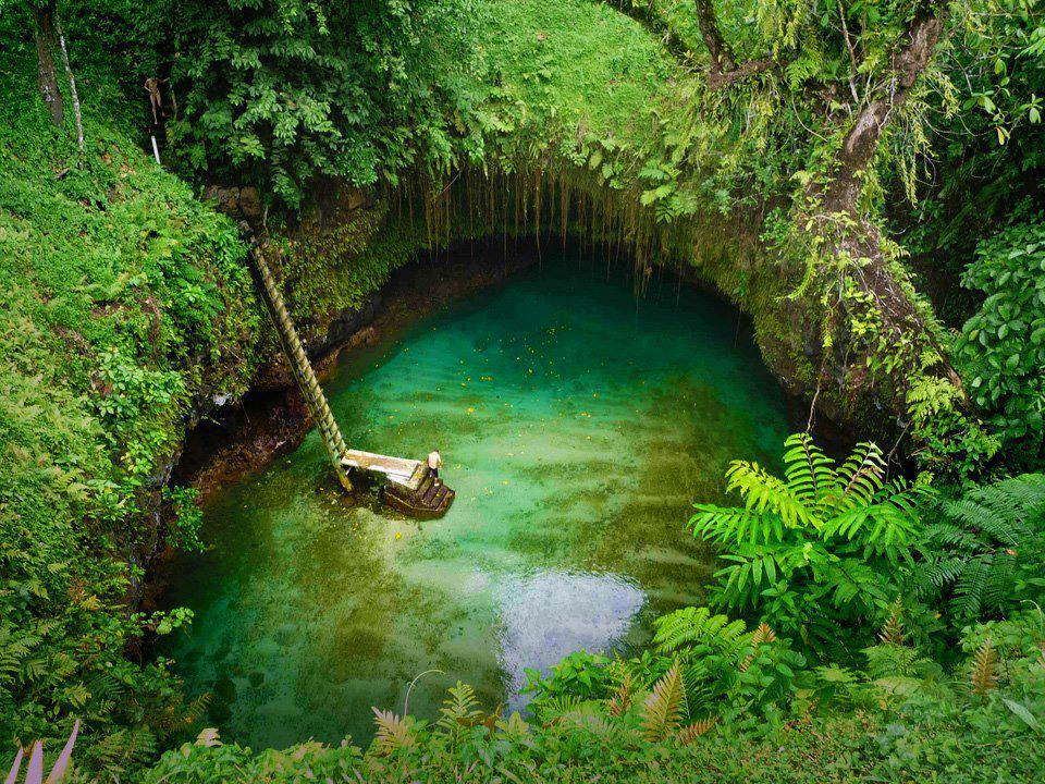 087788152_To_Sua_Ocean_Trench_Upolu_Western_Samoa_122_24lo.jpg
