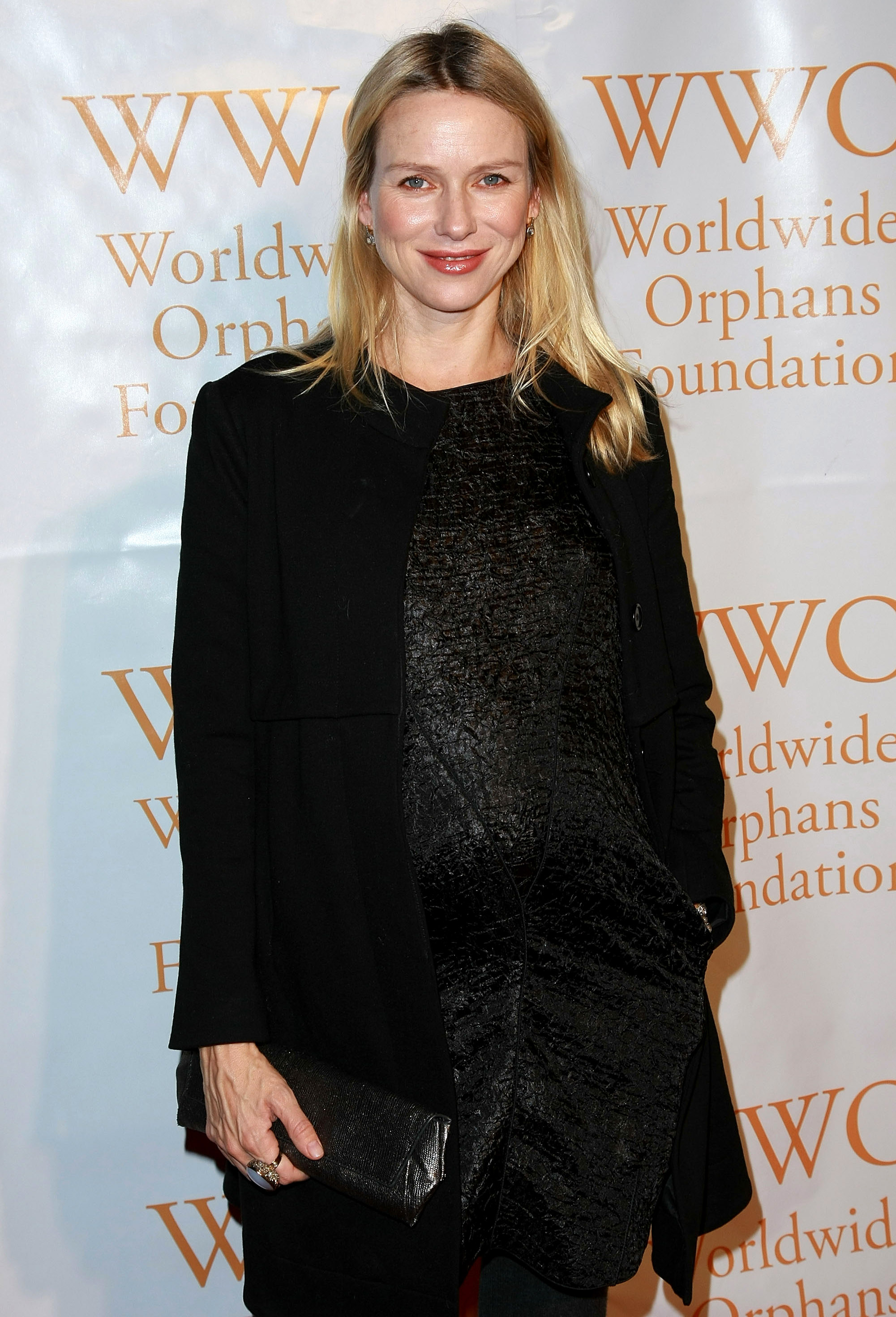 82049_Celebutopia-Naomi_Watts-4th_Annual_Worldwide_Orphans_Foundation_benefit_gala-05_122_91lo.jpg