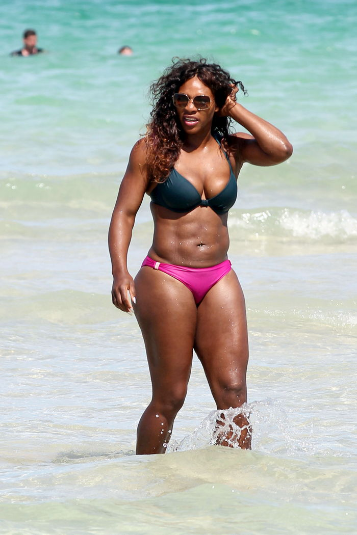 019152777_tduid2346_SerenaWilliams_Bikini_Miami_Kanoni_1_122_446lo.jpg