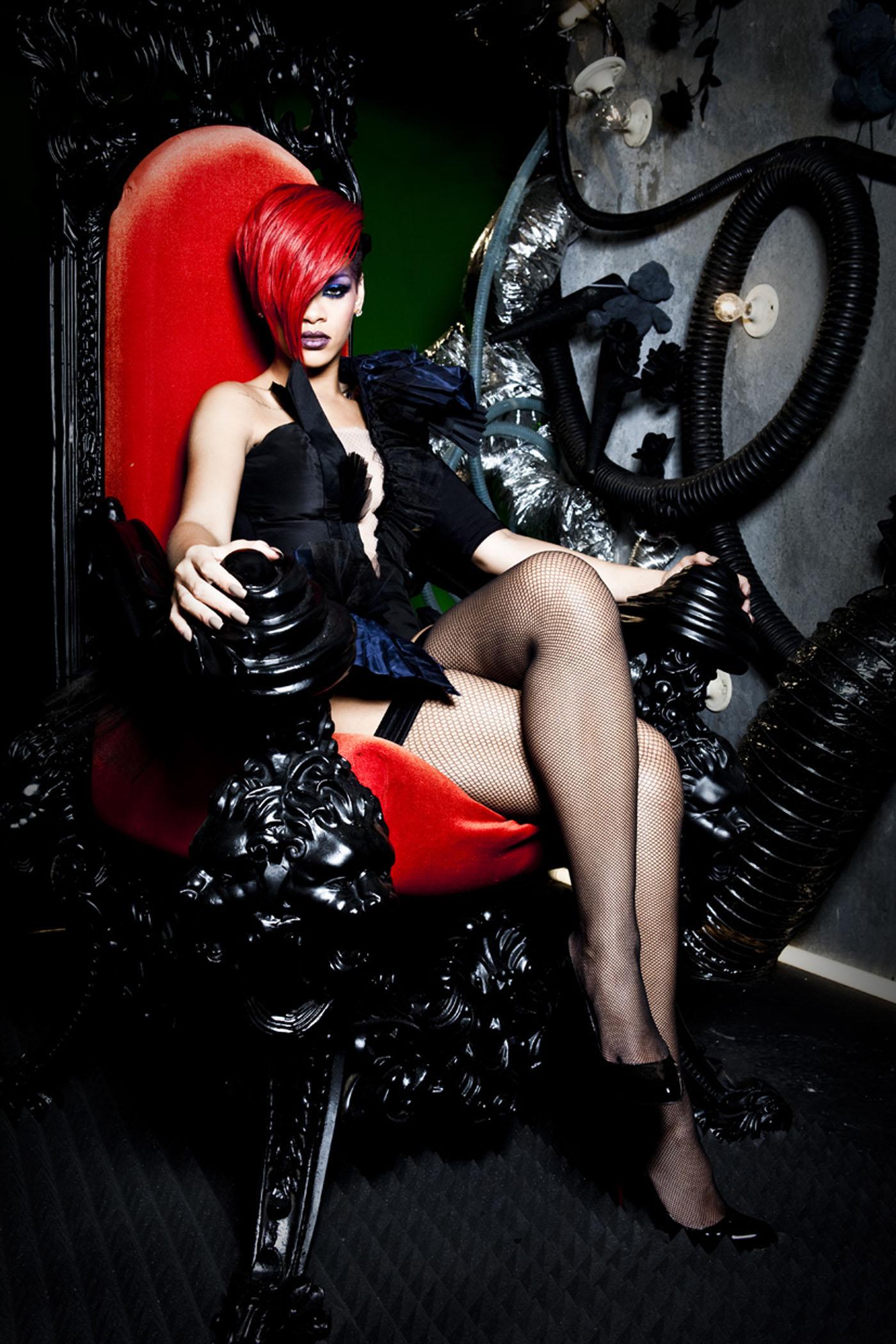 64765_RihannaWhosThatChickShoot4_122_428lo.jpg