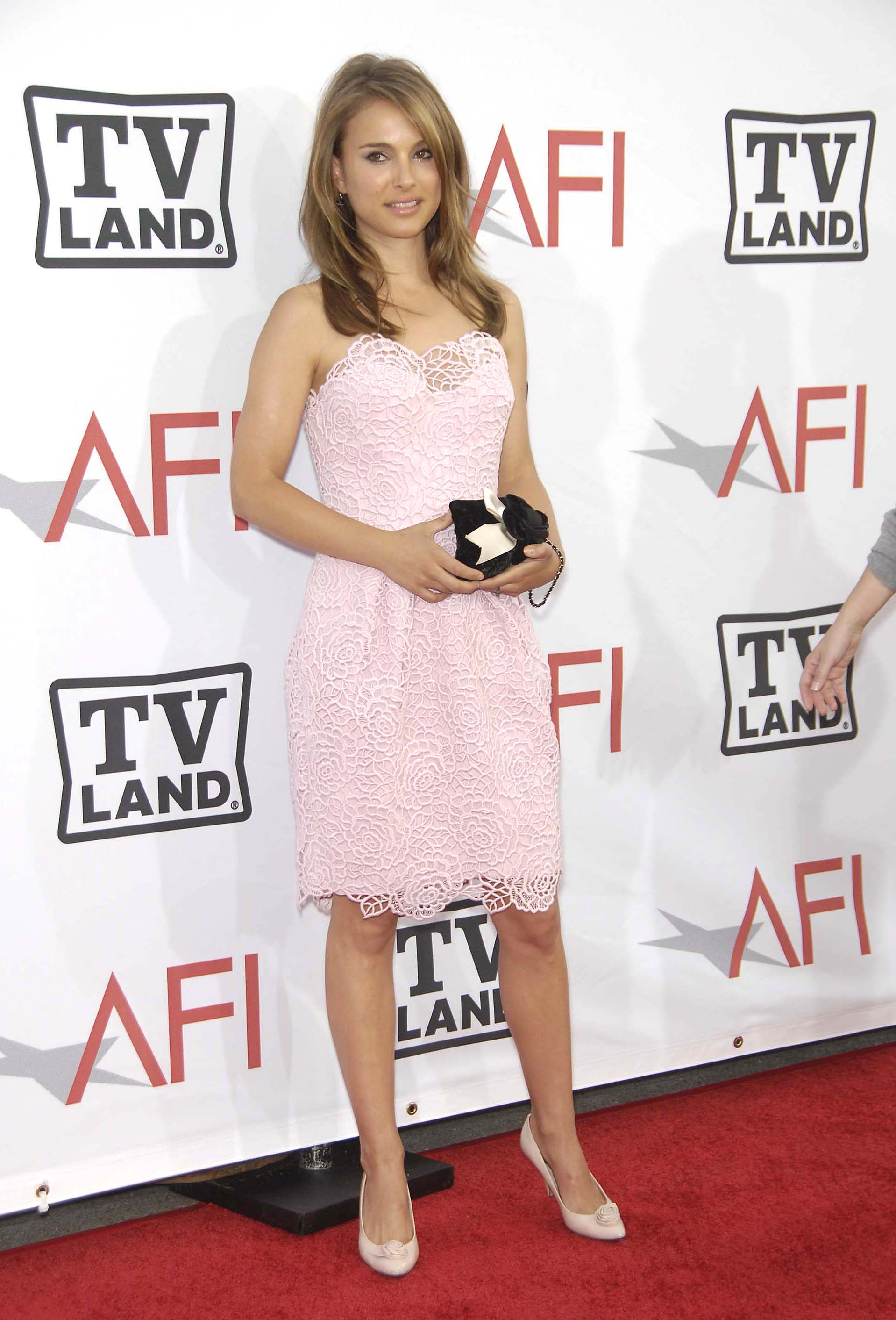 02482_Natalie_Portman_38th_afi_life_achievement_award_149_122_477lo.jpg