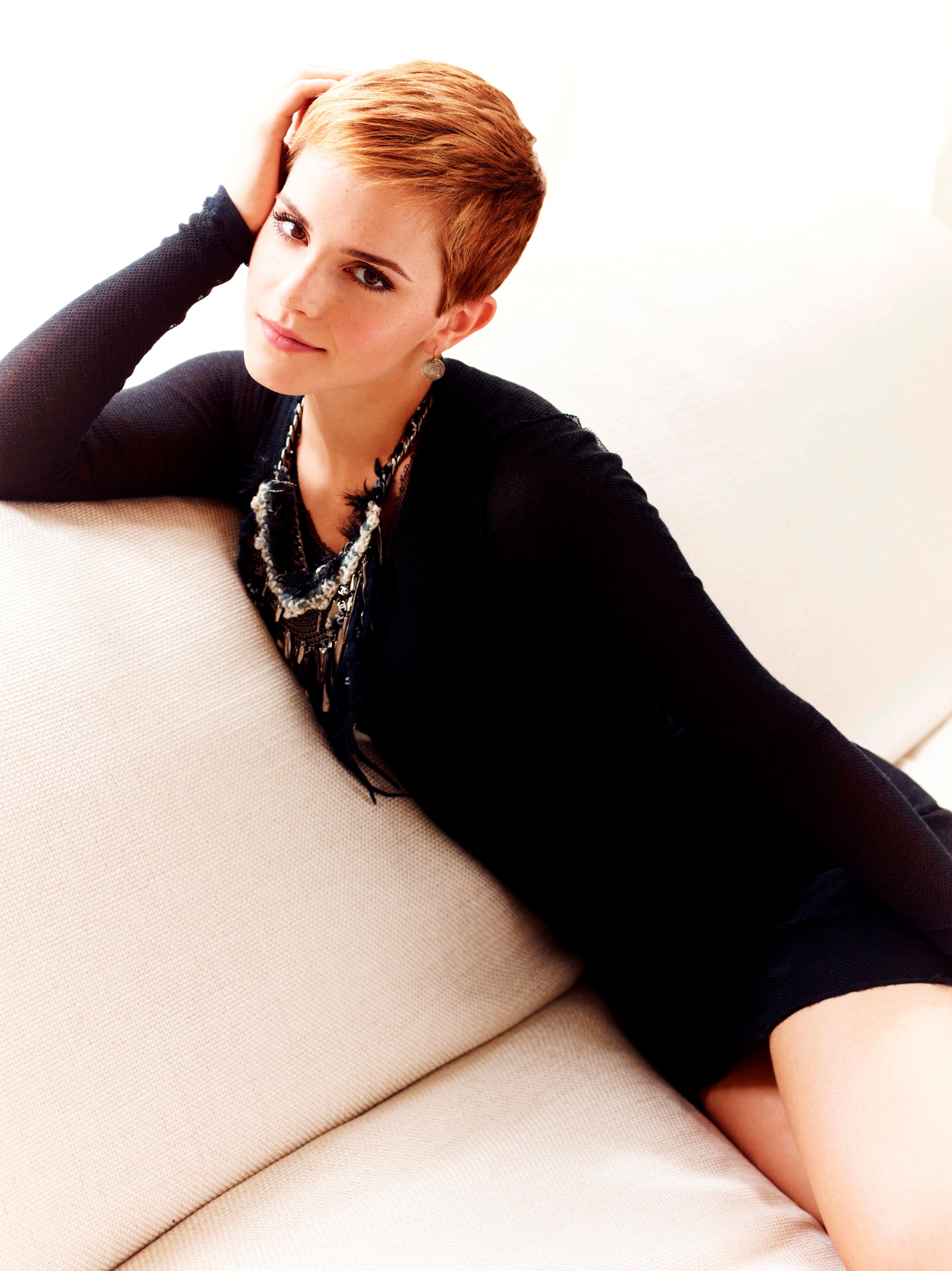 82095_Emma_Watson_Photoshoot_for_Stylist_Magazine10_122_572lo.jpg