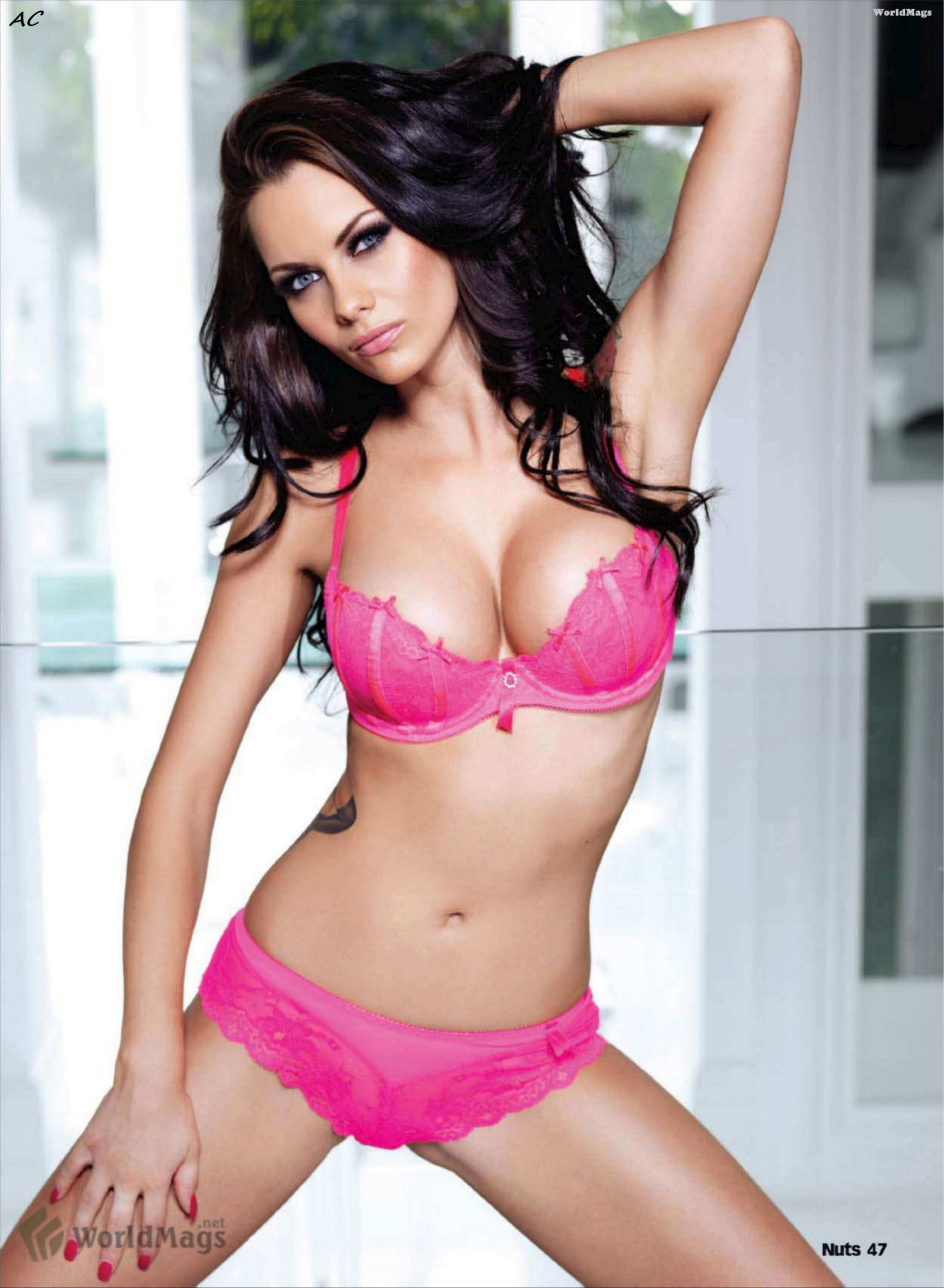 527387992_tduid2346_Jessica_Jane_Clement_Nuts_Kanoni_4_122_245lo.jpg