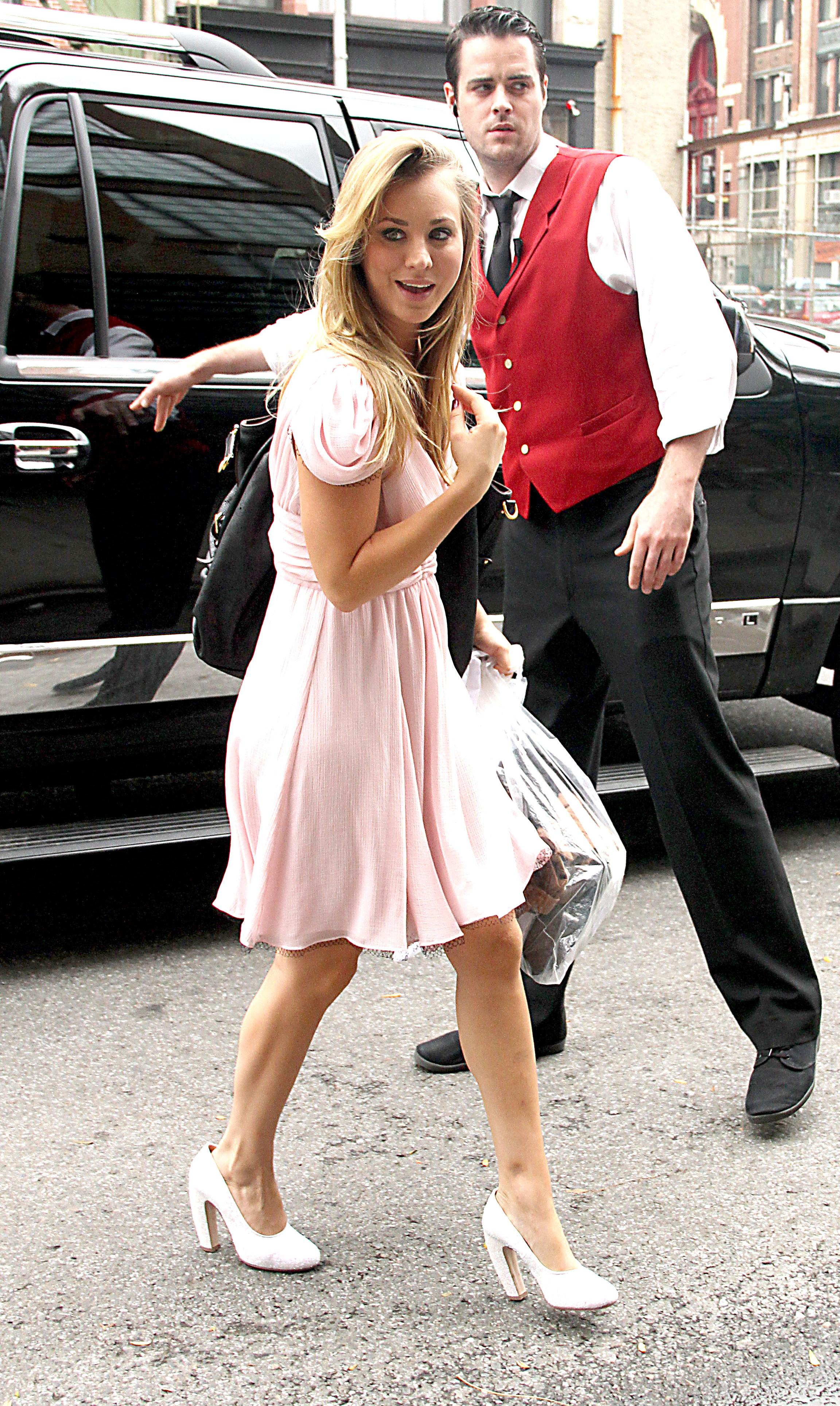 663127350_Kaley_Cuoco_at_Live_with_Regis_and_Kelly2_122_373lo.jpg