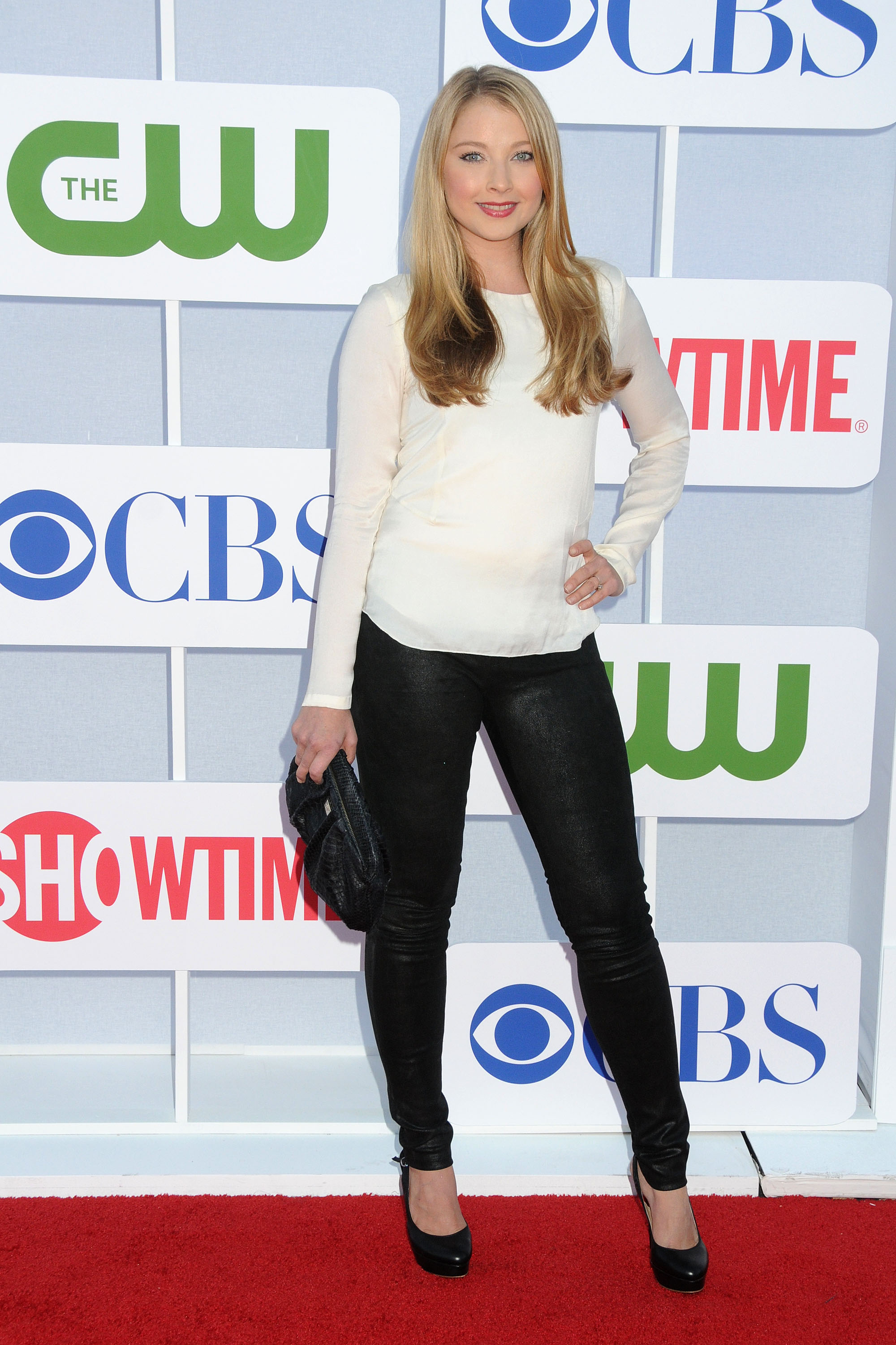 822705401_Elisabeth_Harnois_CW_CBS_and_Showtime_Summer_TCA_Party9_122_508lo.jpg