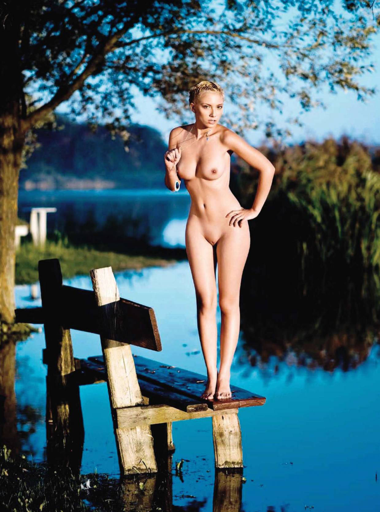 65906_Anamarija_Frlan_Playboy_2010_10_Croatia_12_123_509lo.jpg