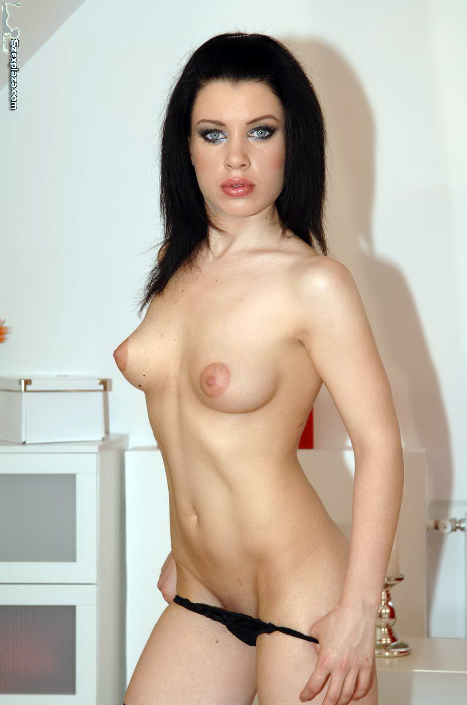 256715372_Bridget_Jolie_123_470lo.JPG