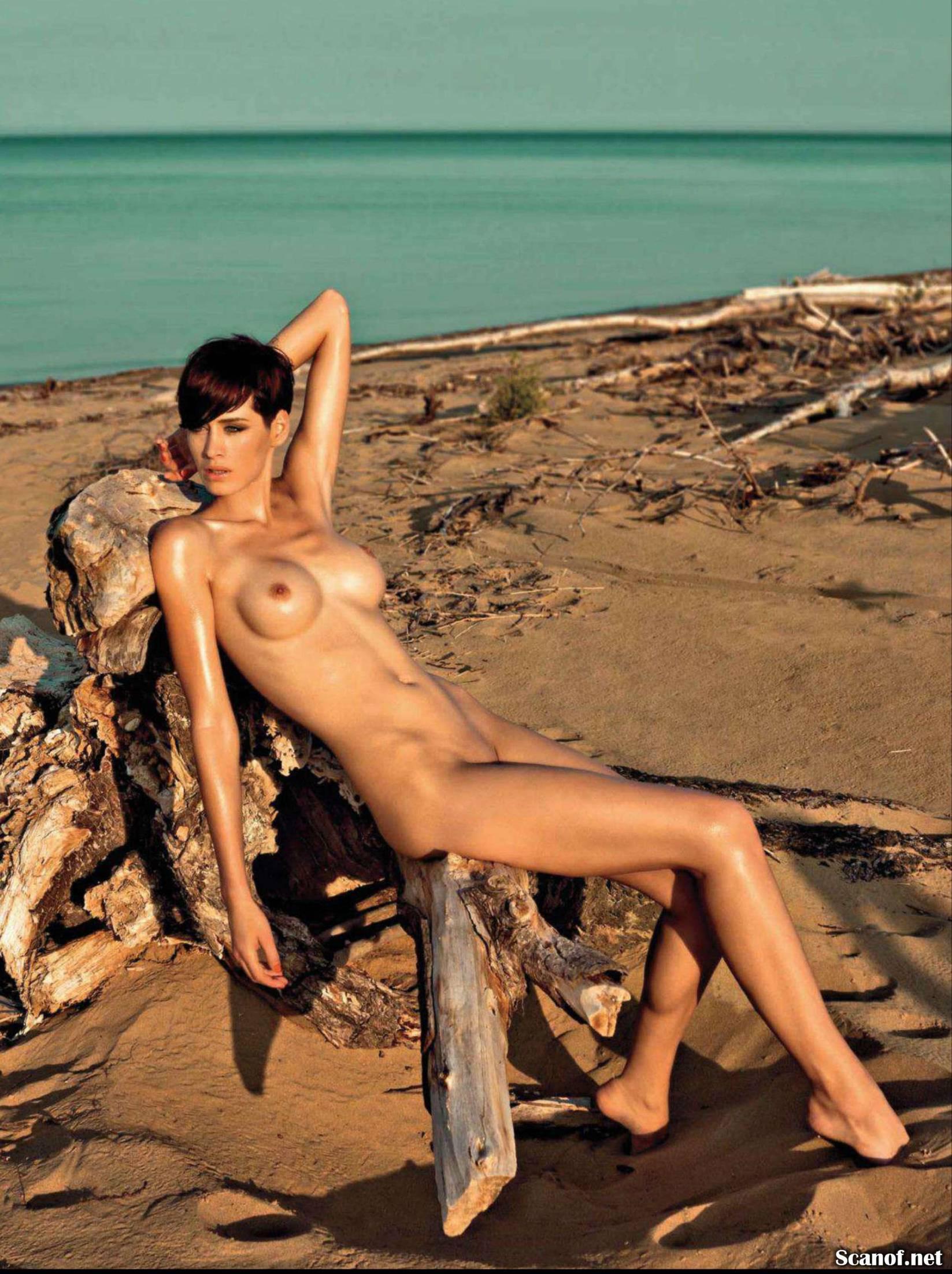 067195921_Playboy_2013_07_Slovenia_Scanof.net_043_123_1lo.jpg
