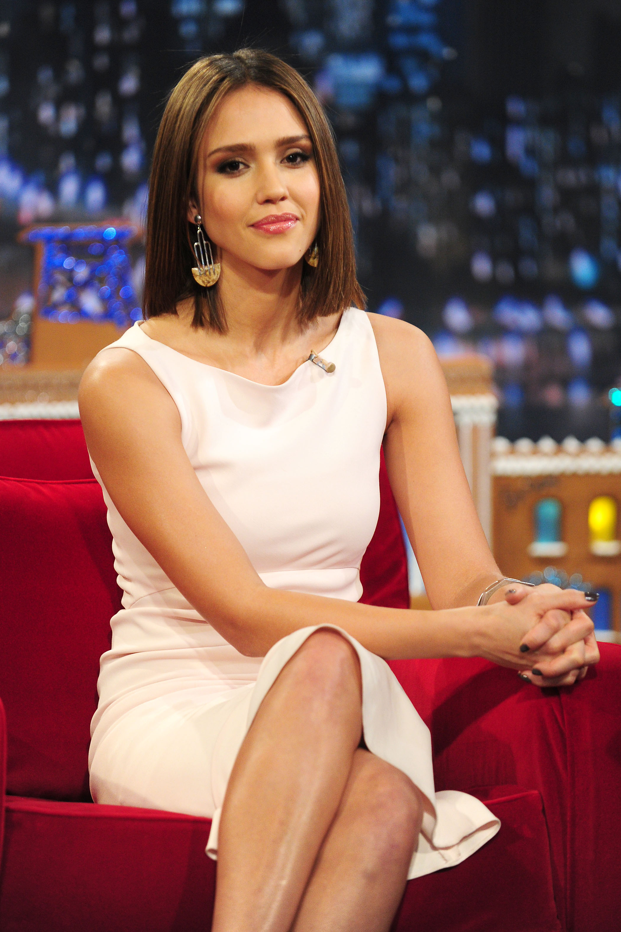61335_Jessica_Alba_appears_on_Late_Night_with_Jimmy_Fallon7_122_584lo.jpg