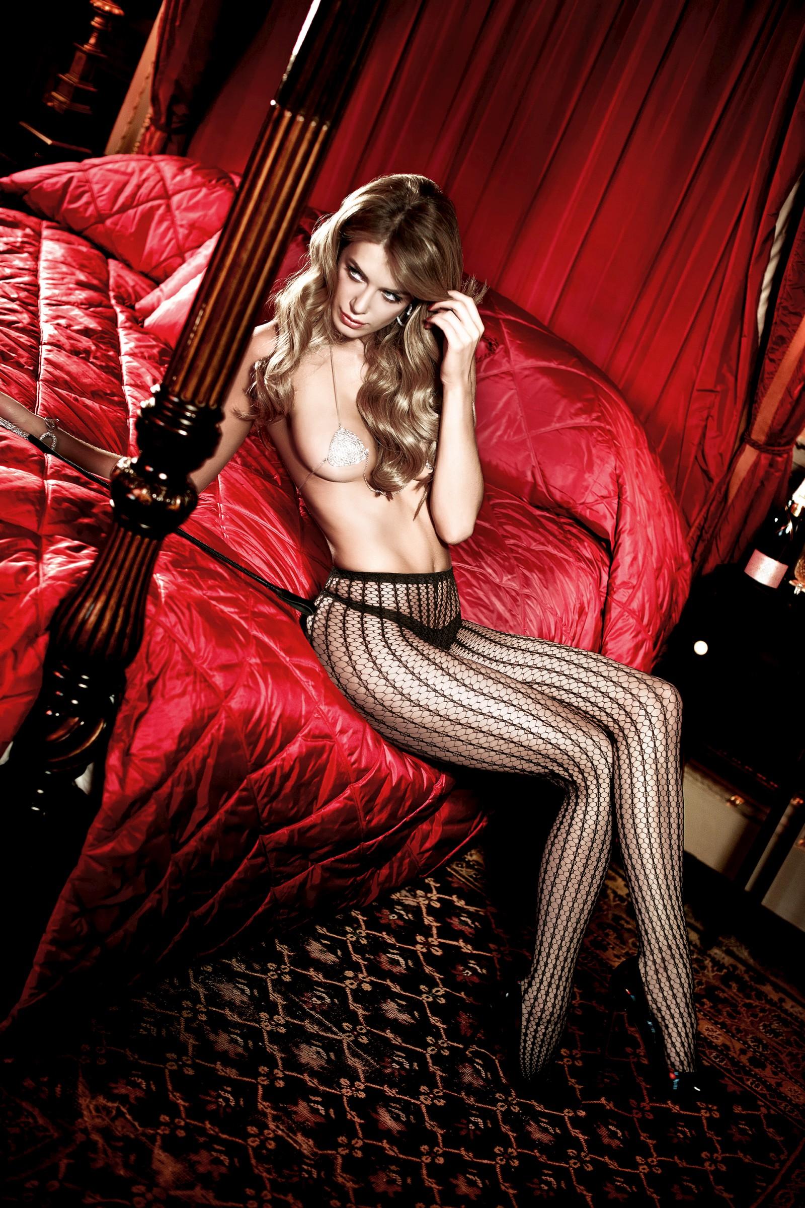 036857368_tduid2346_Elle_Liberachi_baci_lingerie_kanoni_2011_6_122_222lo.jpg