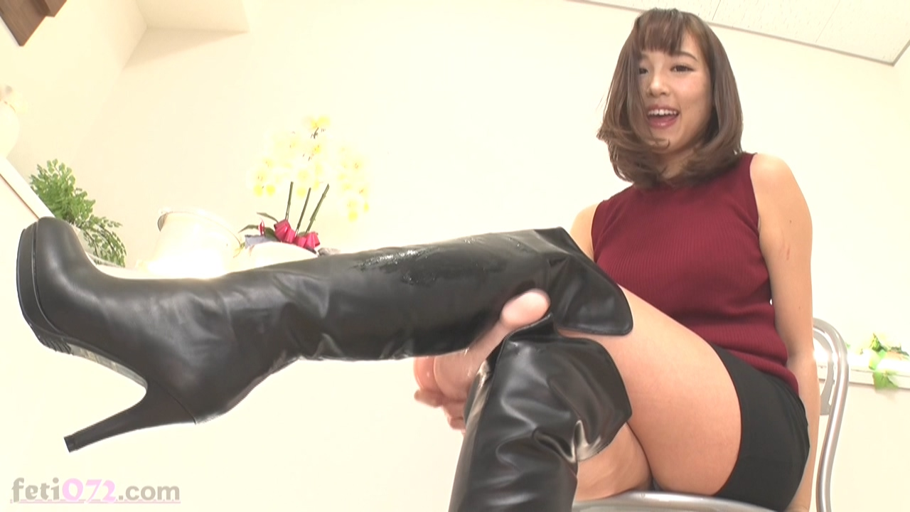 861663534_Knee_High_Boots_1117.mp4_20190526_120505.240_123_222lo.jpg