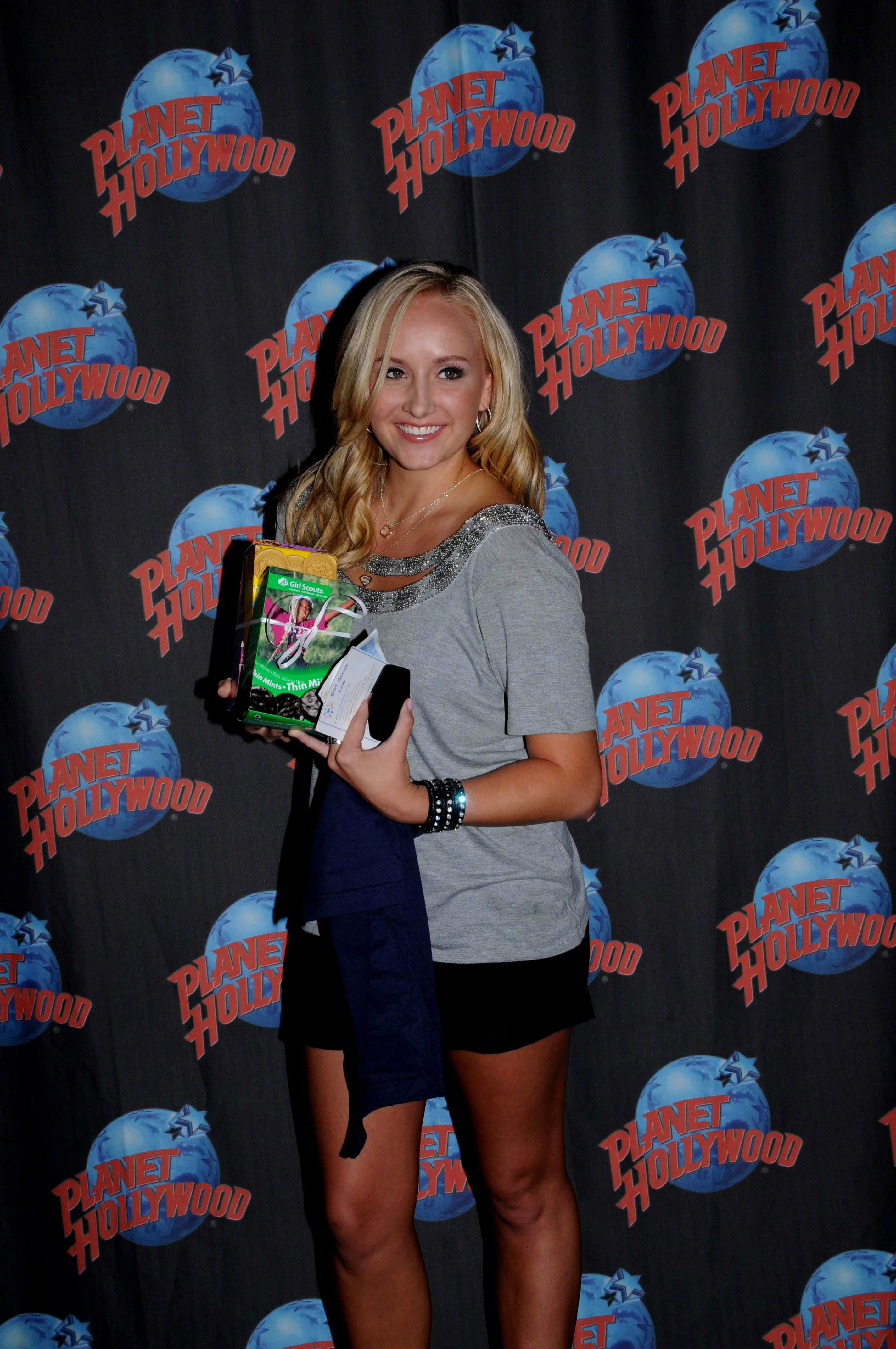 116987758_Nastia_liukin_promotes_Supergirl_clothing_line_at_Planet_Hollywood_1_122_539lo.jpg
