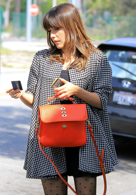 506618488_Sophia_Bush_out_shopping_in_LA11_122_555lo.JPG