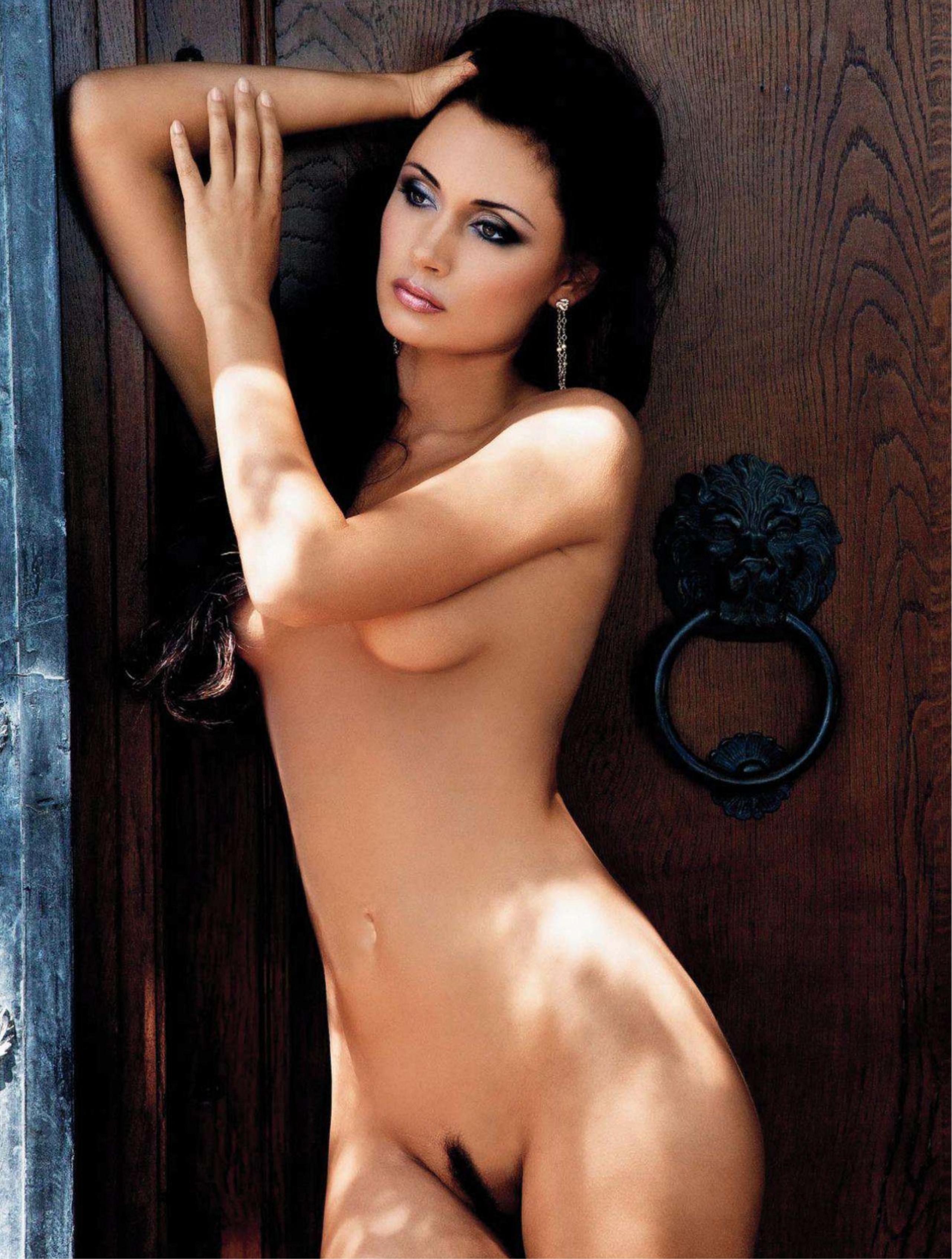 441722874_Playboy_2_2012_Croatia_Scanof.net_038_123_117lo.jpg