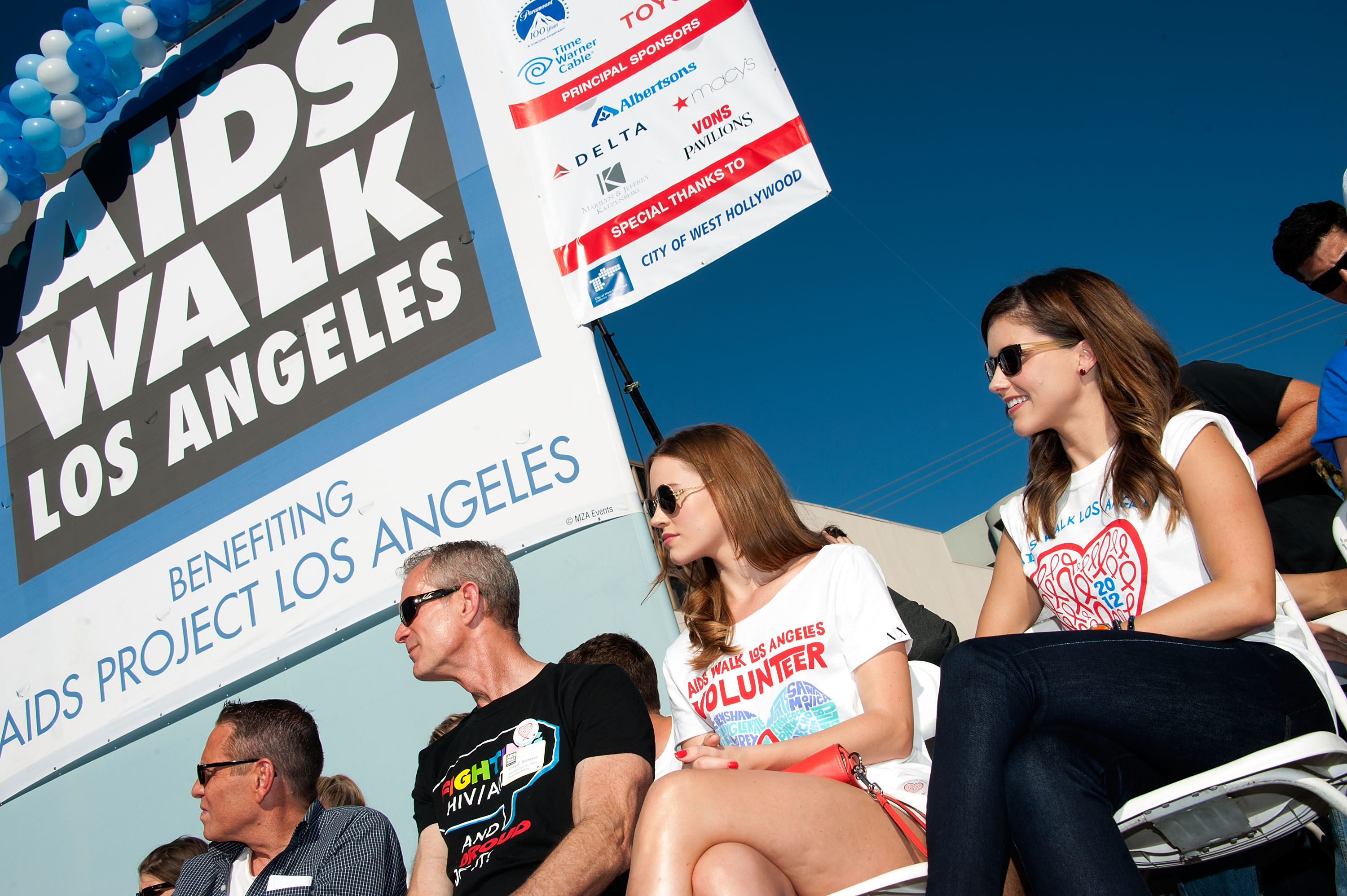 411306904_Sophia_Bush_28th_Annual_AIDS_Walk15_122_86lo.jpg