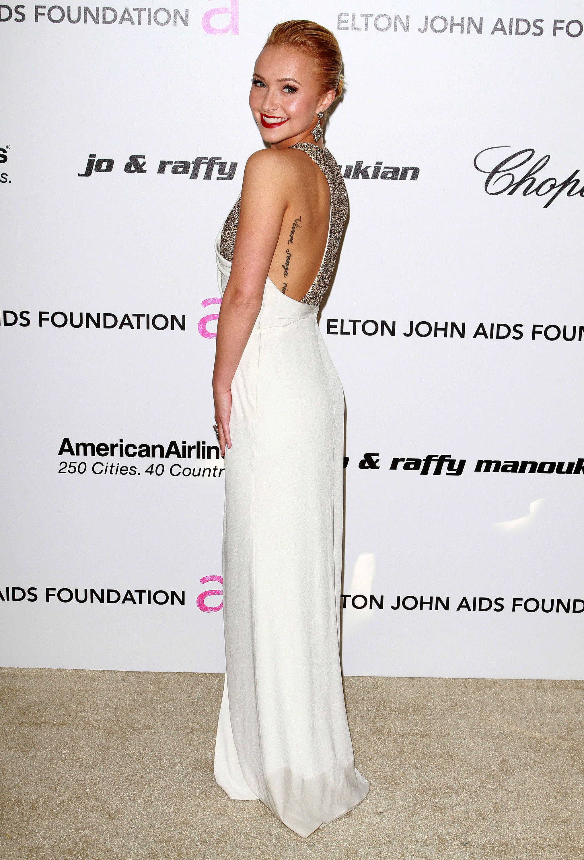 890484231_Hayden_Panettiere_19th_Annual_Elton_John_AIDS_Foundation8_122_338lo.jpg