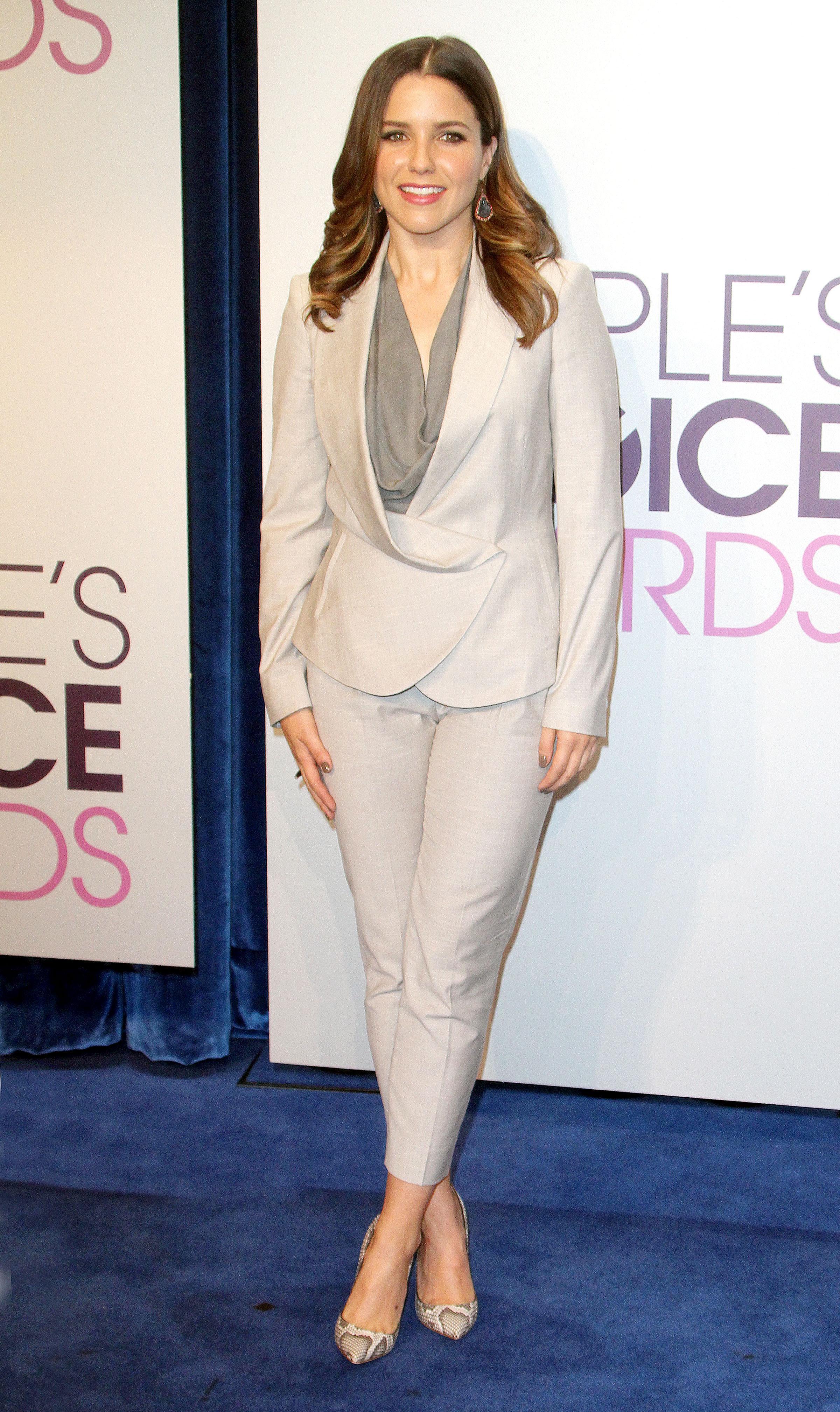 051529748_Sophia_Bush_Peoples_Choice_Awards_Nomination_Announcements2_122_542lo.jpg