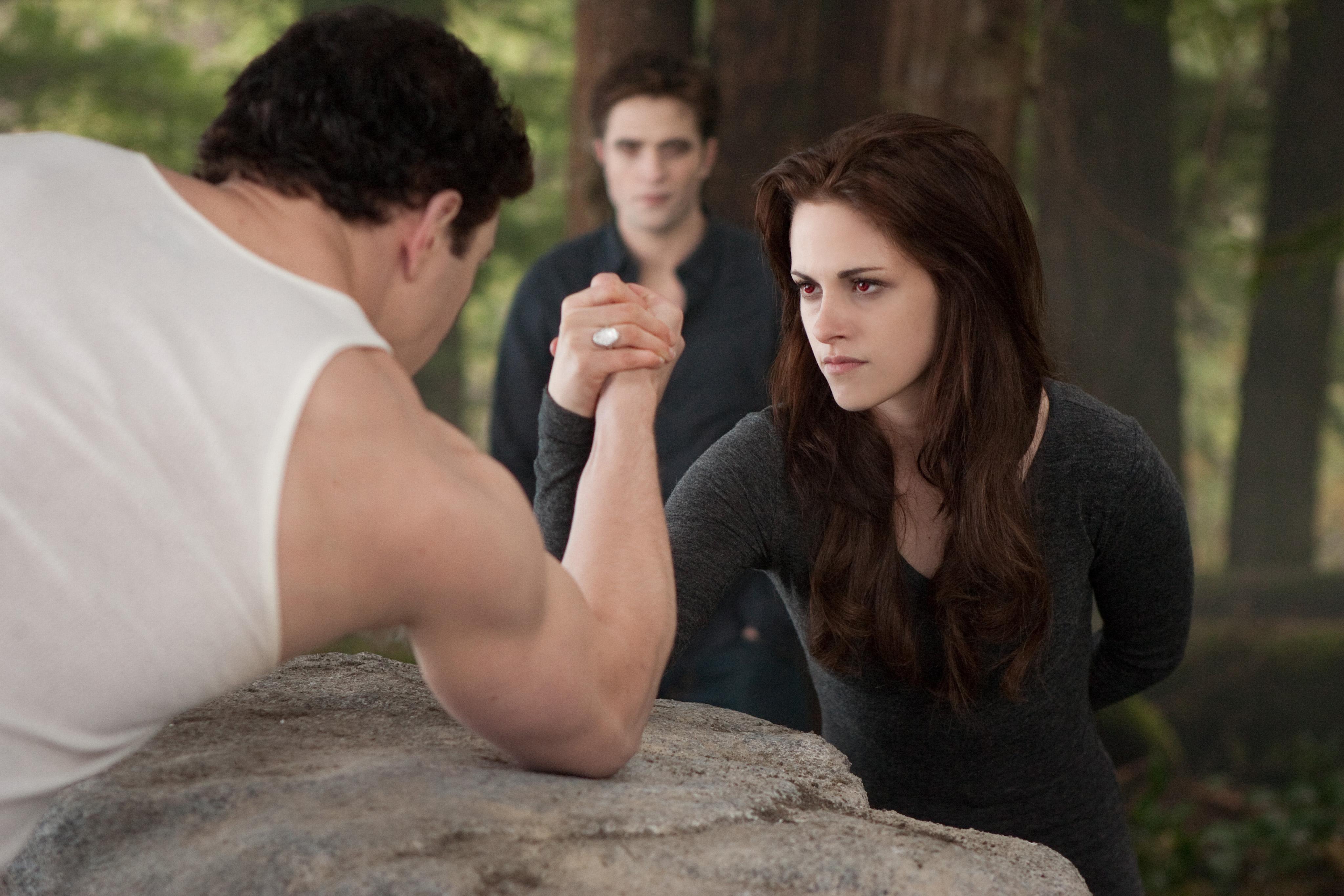 971975954_The_Twilight_Saga_Breaking_Dawn_PartII_13_122_456lo.JPG