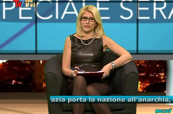 39878_ElenaCognito_TV7conVoiSera120320_13_122_166lo.jpg