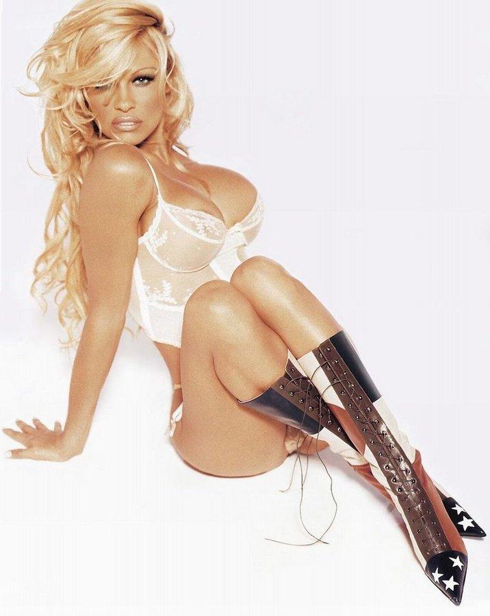 Pamela_Anderson026.jpg