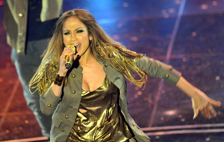 04425_Jennifer_Lopez_at_Festival_di_Sanremo_Italian_song_contest.com_Jennifer_Lopez_Sanremo_181_122_348lo.JPG
