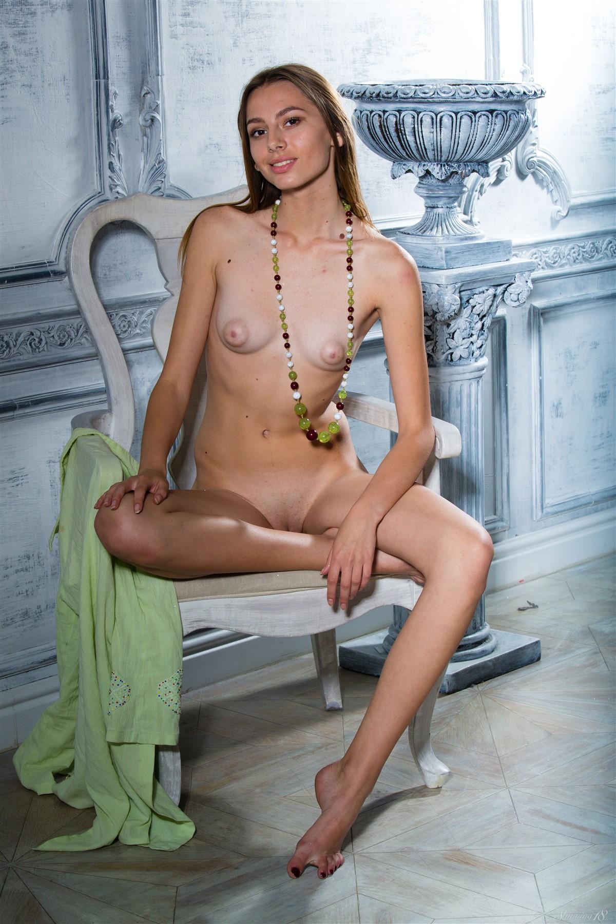 31470_Stunning_Favorite_Beads_Sally_high_0064_123_424lo.jpg