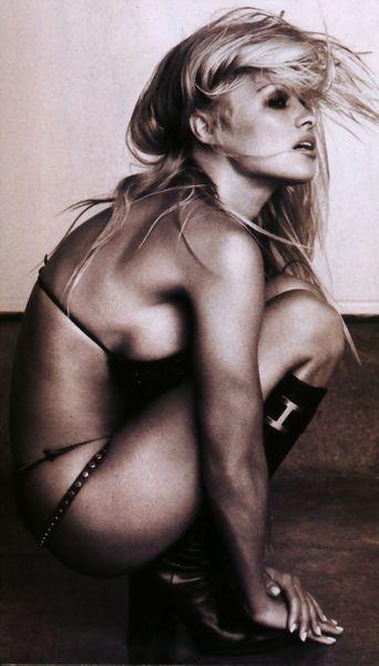 Pamela_Anderson051.jpg