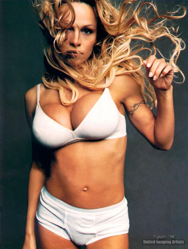 Pamela_Anderson019.jpg
