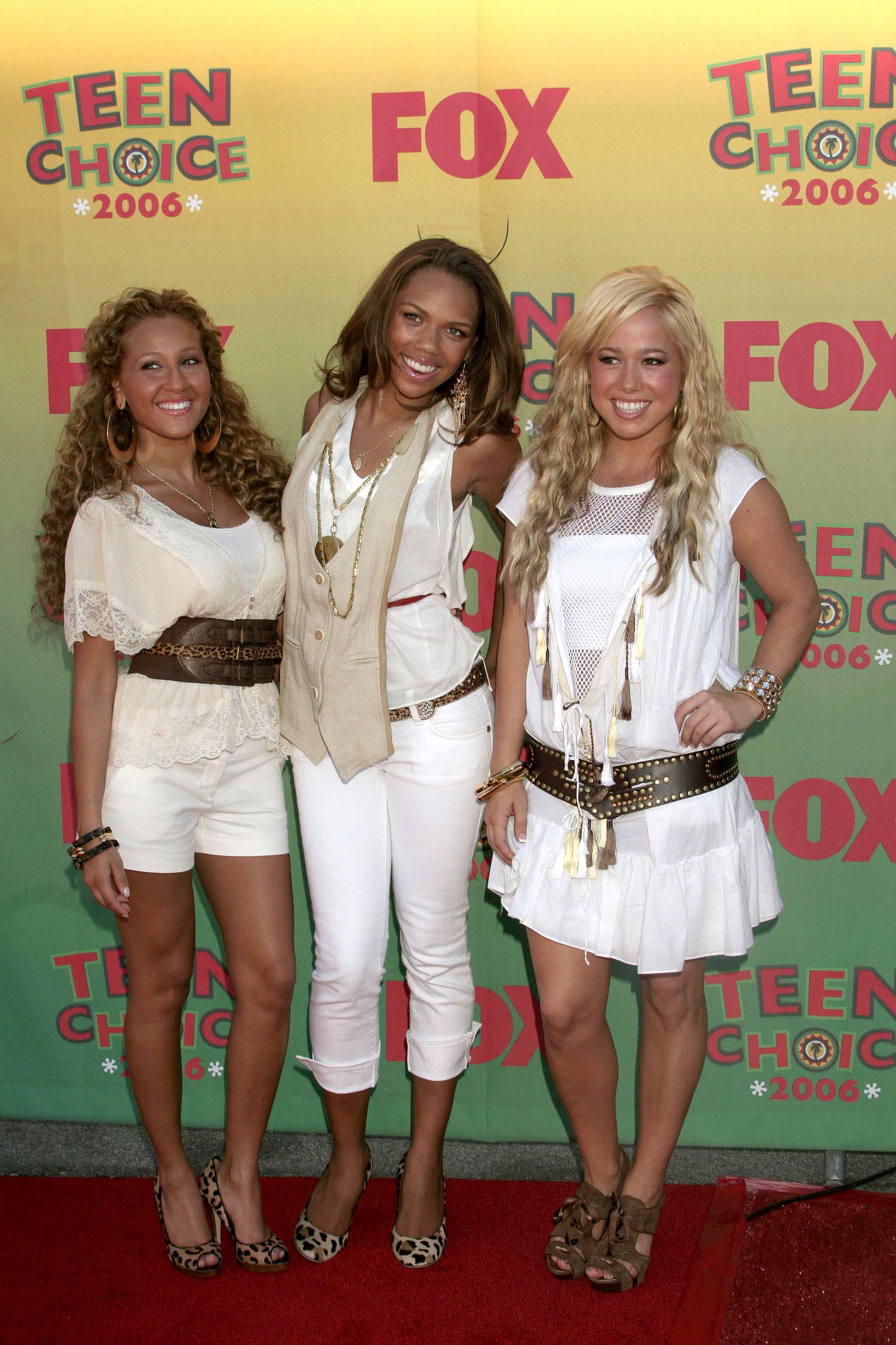 10968_Cheetah_Girls__3_122_734lo.jpg