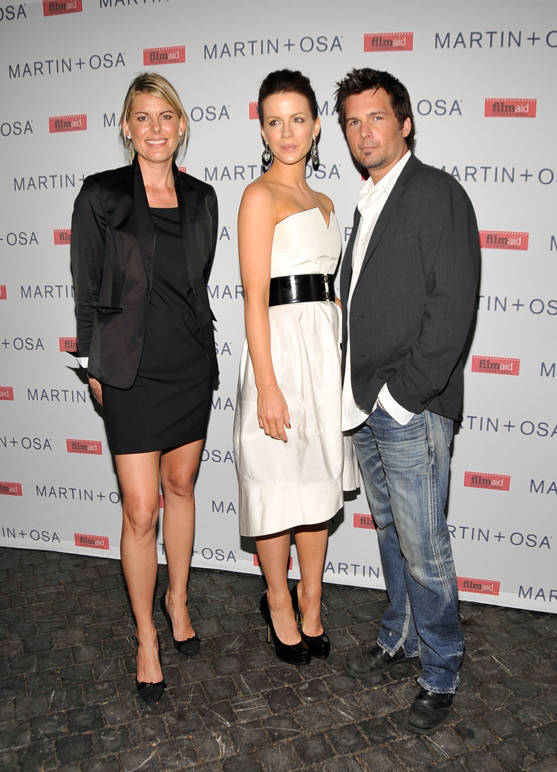 08728_Celebutopia-Kate_Beckinsale-Martin_0_Osa4s_Screening_Of_All_About_Eve_in_Hollywood-12_122_1131lo.jpg