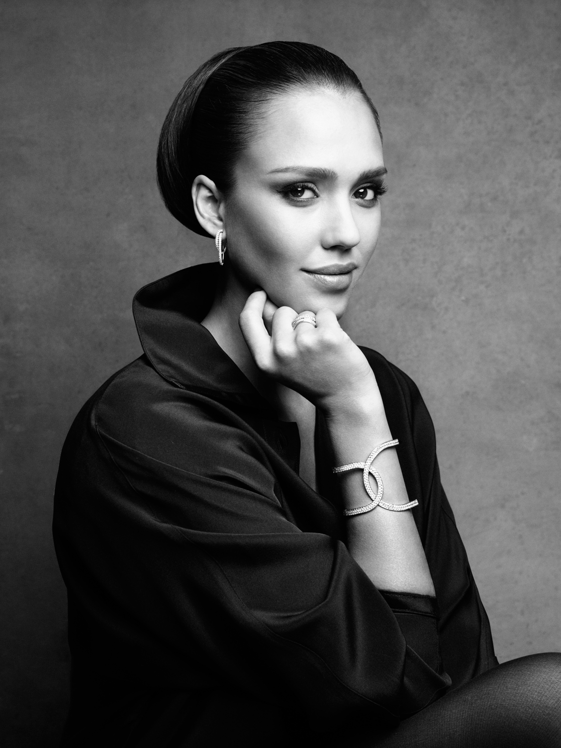 940458887_Jessica_Alba_Patrick_Demarchelier_Photoshoot_for_Piaget_2011_1_122_498lo.jpg