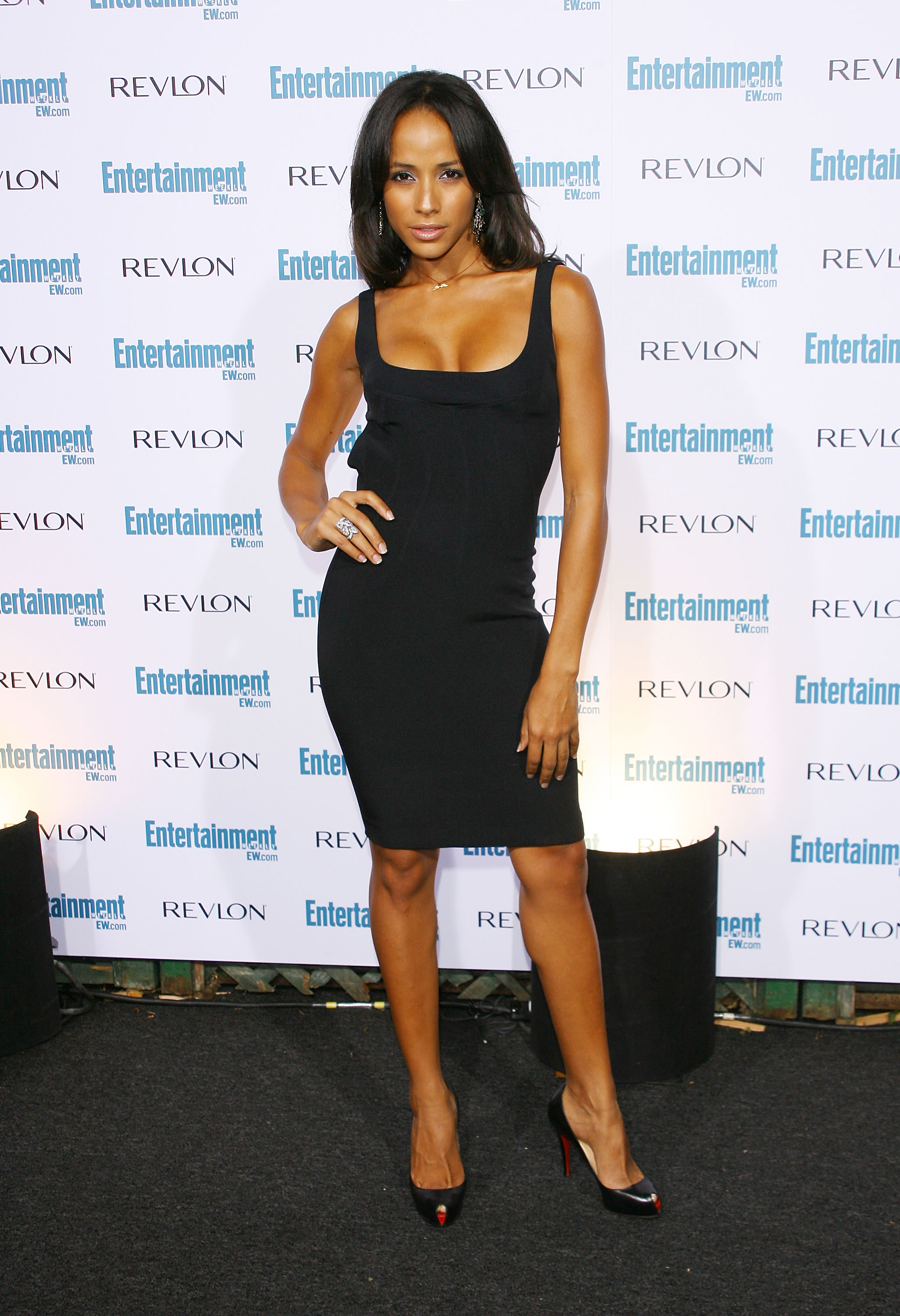 98443_Celebutopia-Dania_Ramirez-Entertainment_Weekly4s_Sixth_Annual_Pre-Emmy_Celebration_party-01_122_667lo.jpg