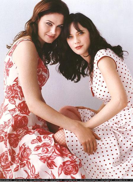 54770_deschanel-sisters-may1-3_122_900lo.jpg