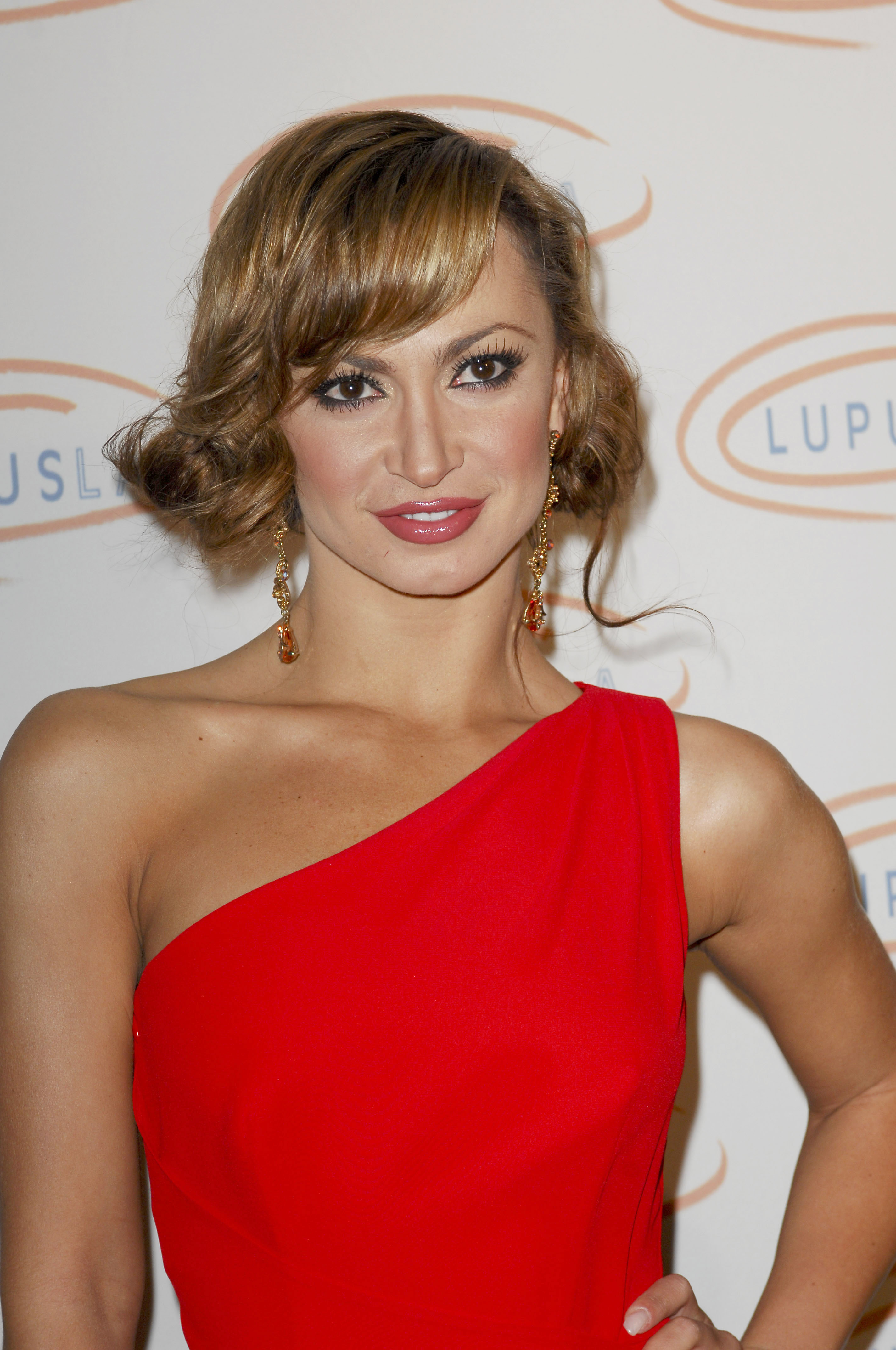 29687_Karina_Smirnoff_2008-11-07_-_Lupus_LA1s_Sixth_Annual_Hollywood_Bag_Ladies_Luncheon_in_Beverly_H_159_122_936lo.jpg