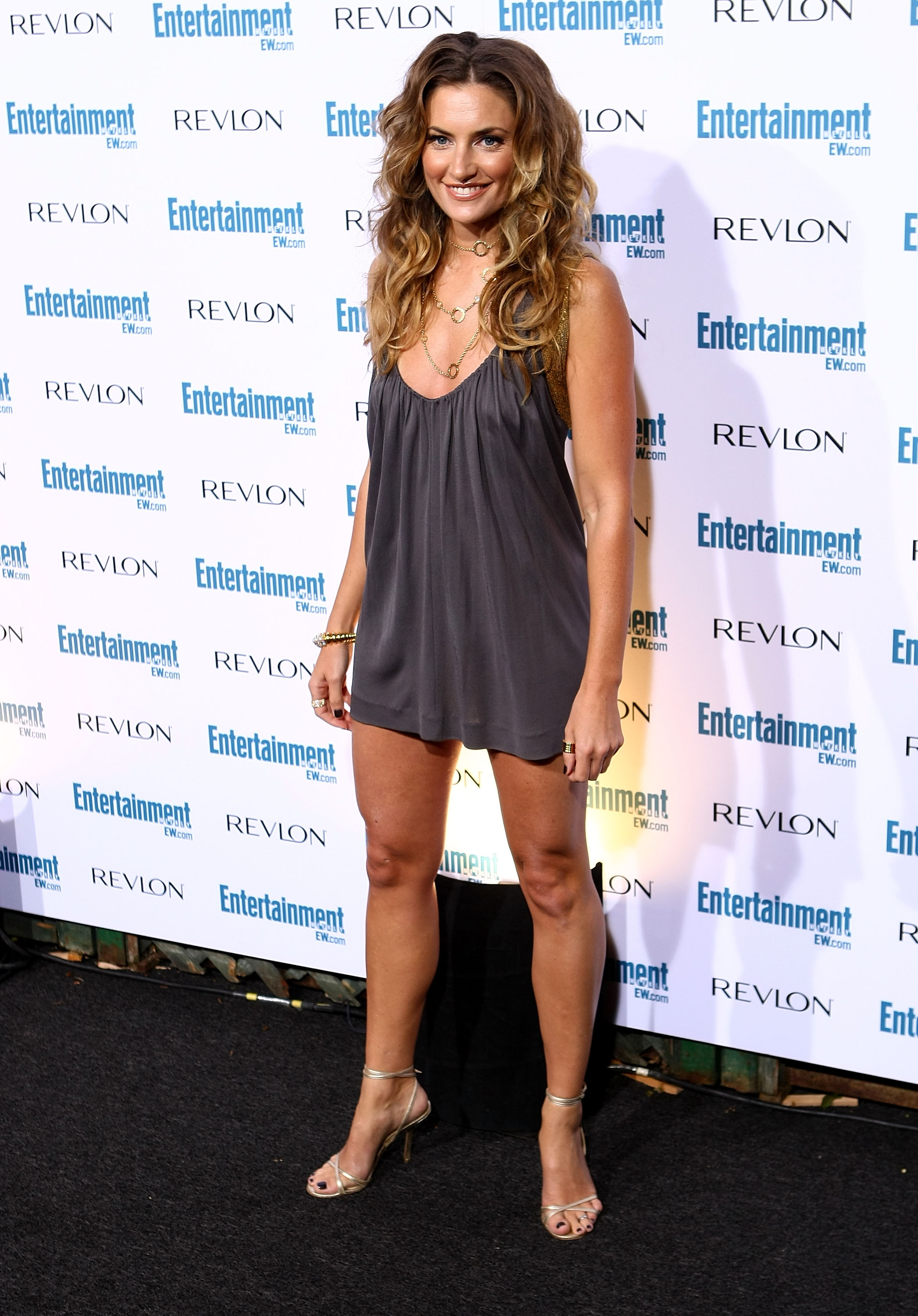99221_Celebutopia-Madchen_Amick-Entertainment_Weekly66s_Sixth_Annual_Pre-Emmy_Celebration_party-04_122_630lo.jpg