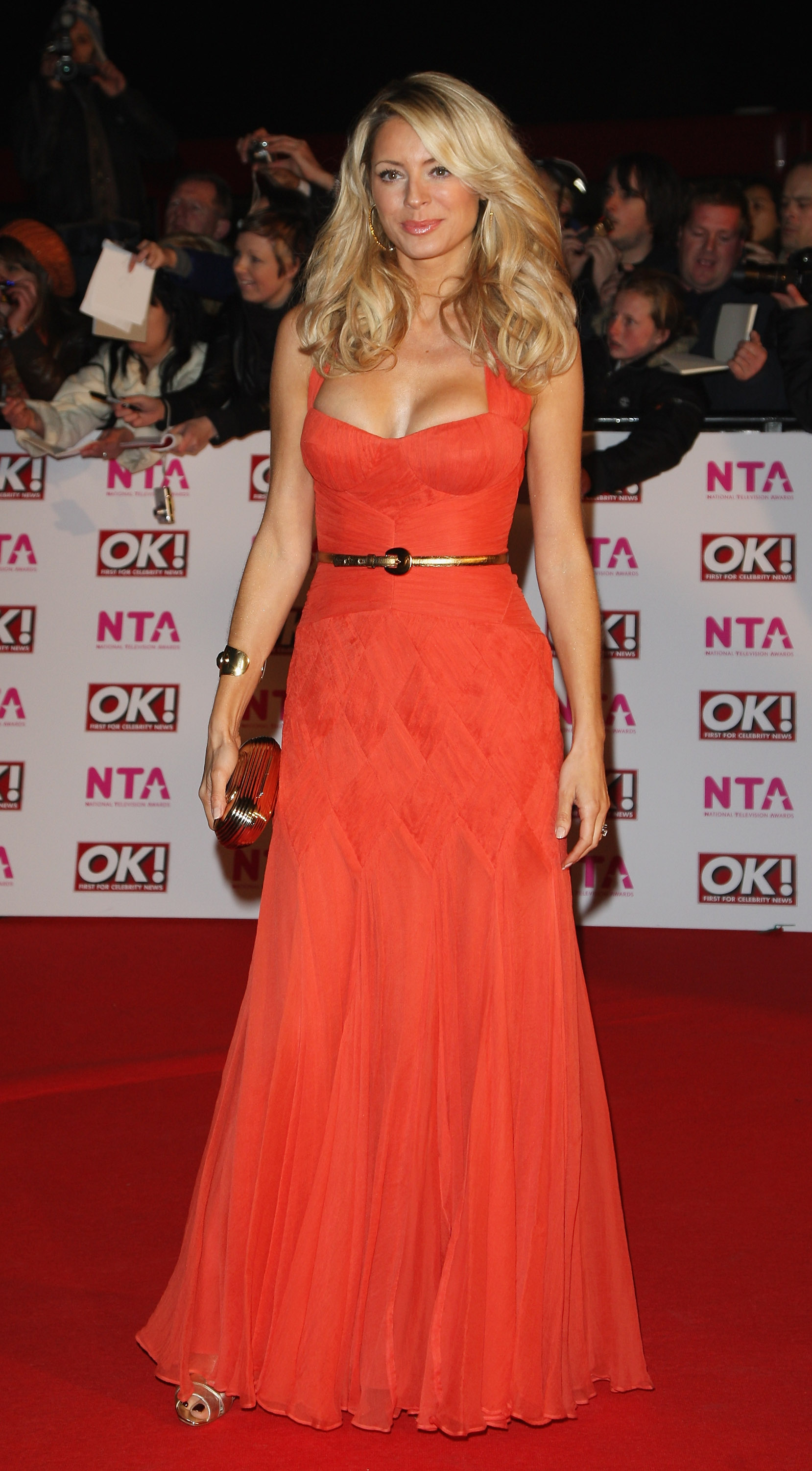 18136_Celebutopia-Tess_Daly_arrives_at_the_2008_National_Television_Awards-01_122_917lo.jpg