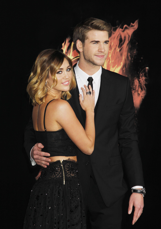 33872_Miley_Cyrus_Adds147_123_160lo.jpg