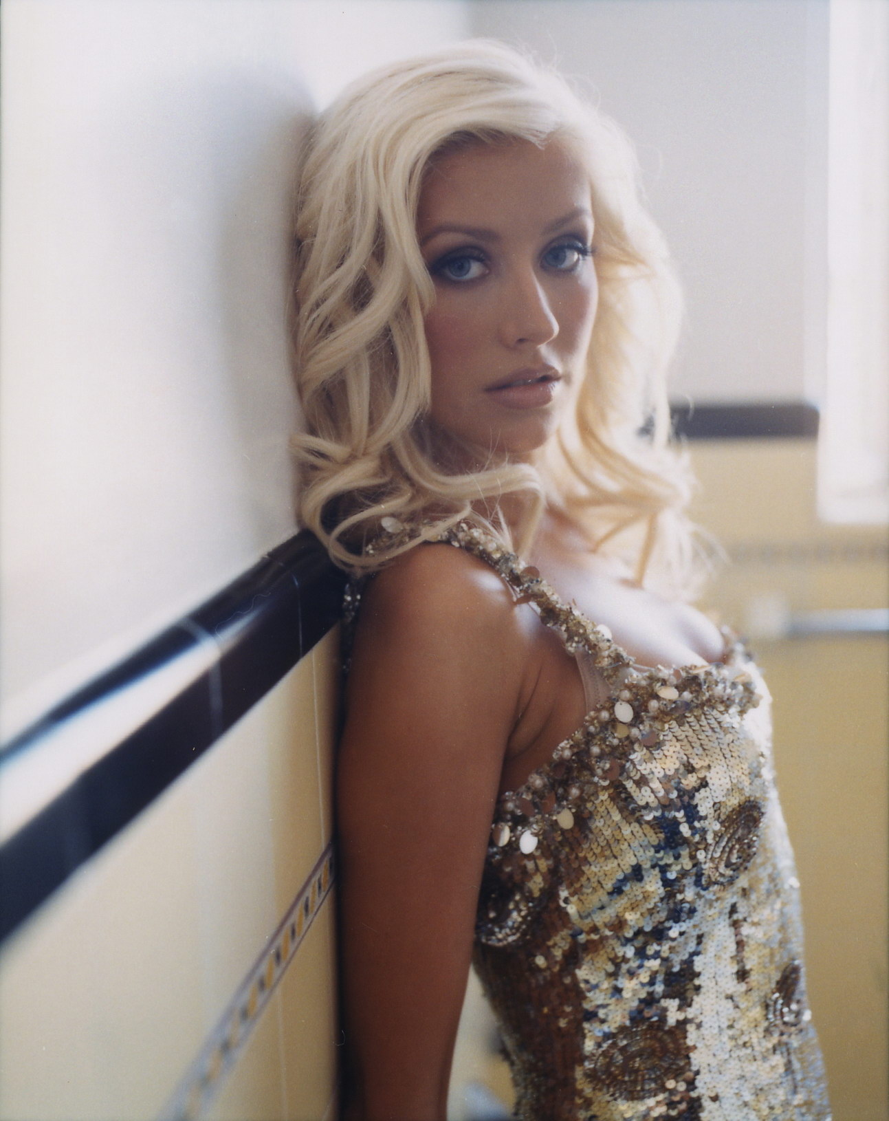 90950_Christina_Aguilera-002889_Cliff_Watts_photoshoot_122_883lo.jpg