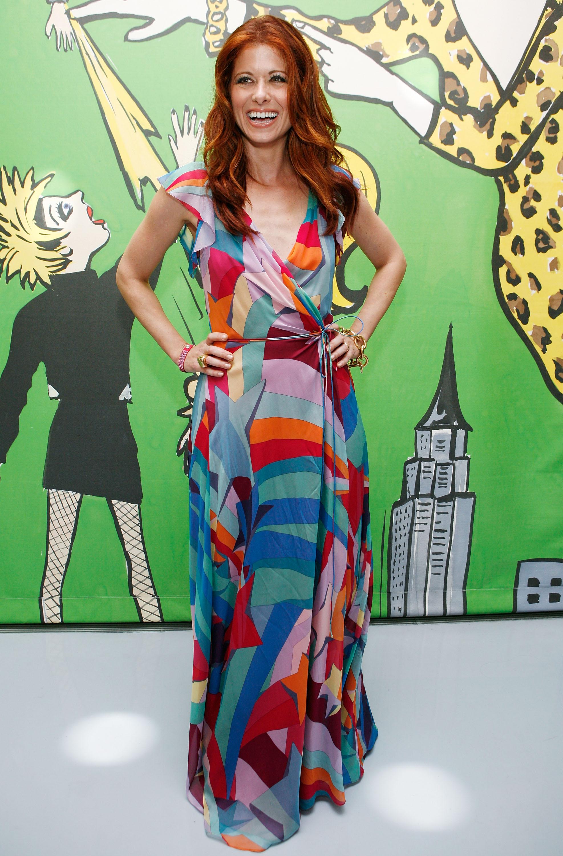 98106_Celebutopia-Debra_Messing-Launch_of_Diane_Von_Furstenberg11s_Wonder_Woman_collection-04_122_715lo.jpg