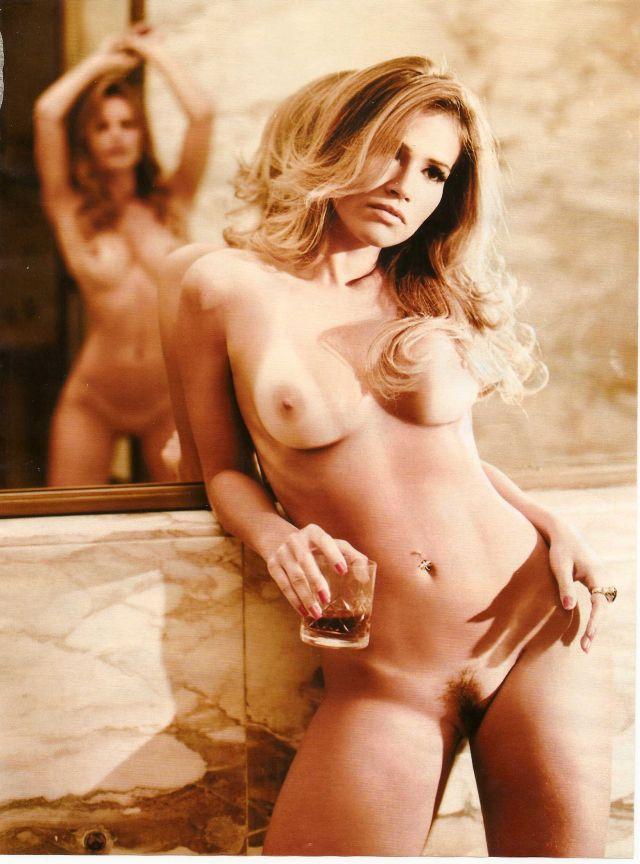 79780_tduid1059_Fani_Pacheco_y_Natalia_Casassola_Playboy_Brasil_Noviembre_2010__BlogVen.net__15_123_10lo.jpg