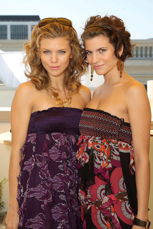 92056_Celebutopia-AnnaLynne_McCord-2008_Pre-Emmys_DPA_Gifting_Lounge_Day_3-11_122_1065lo.jpg