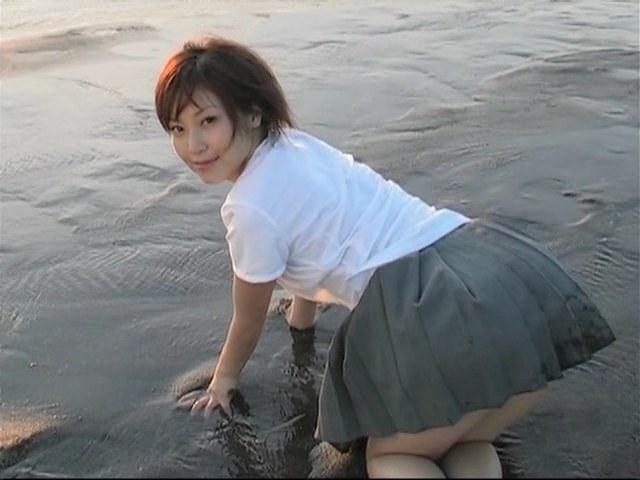 15861_2IV1_Natsuko_Tatsumi_-_Touch_me_CLIP_end.avi-203324_123_697lo.jpg