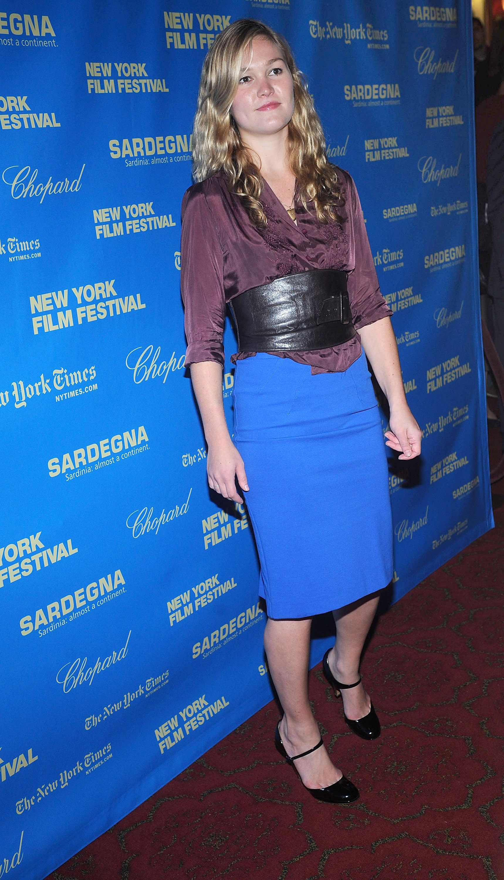 86418_Julia_Stiles_2008-09-27_-_Happy-Go-Lucky_premiere_of_during_the_46th_New_York_Film_Festival_673_122_707lo.jpg