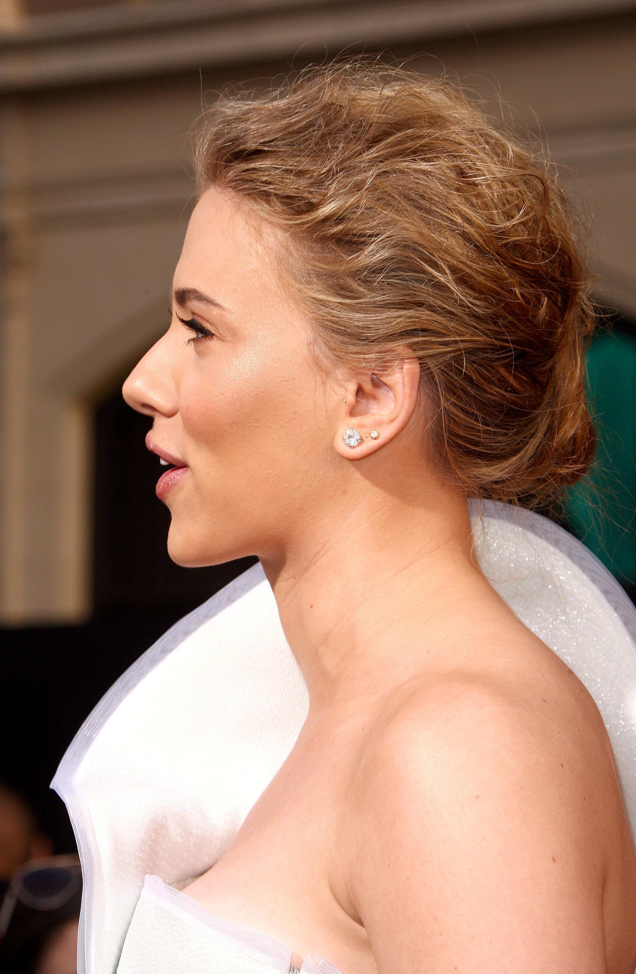 50774_celebrity_paradise.com_Scarlett_Johansson_Iron_Man_2_World_Premiere_in_Hollywood_26.04.2010_20_122_180lo.jpg
