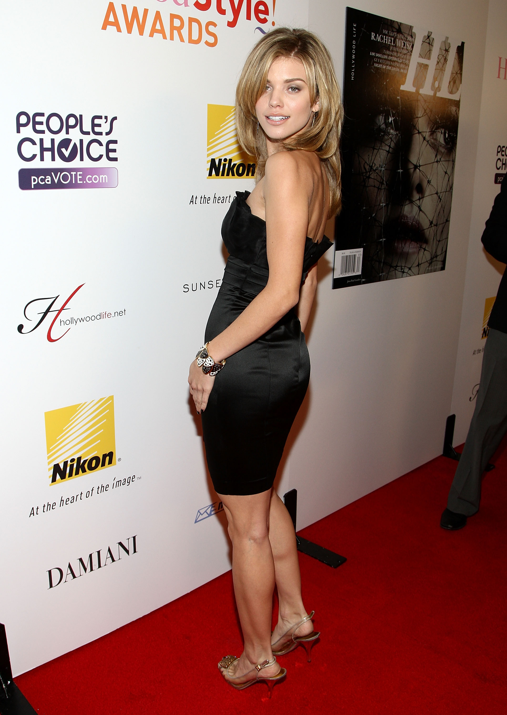 96951_Celebutopia-AnnaLynne_McCord-Hollywood_Life90s_5th_annual_Hollywood_Style_Awards-09_122_357lo.jpg