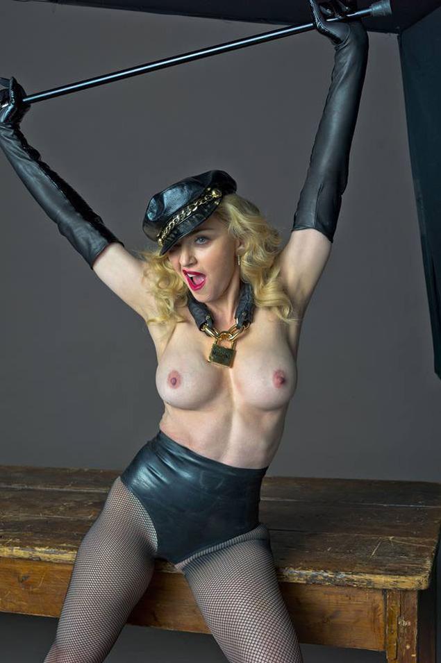 736044138_MadonnaToplessOutVogue1_122_457lo.jpg