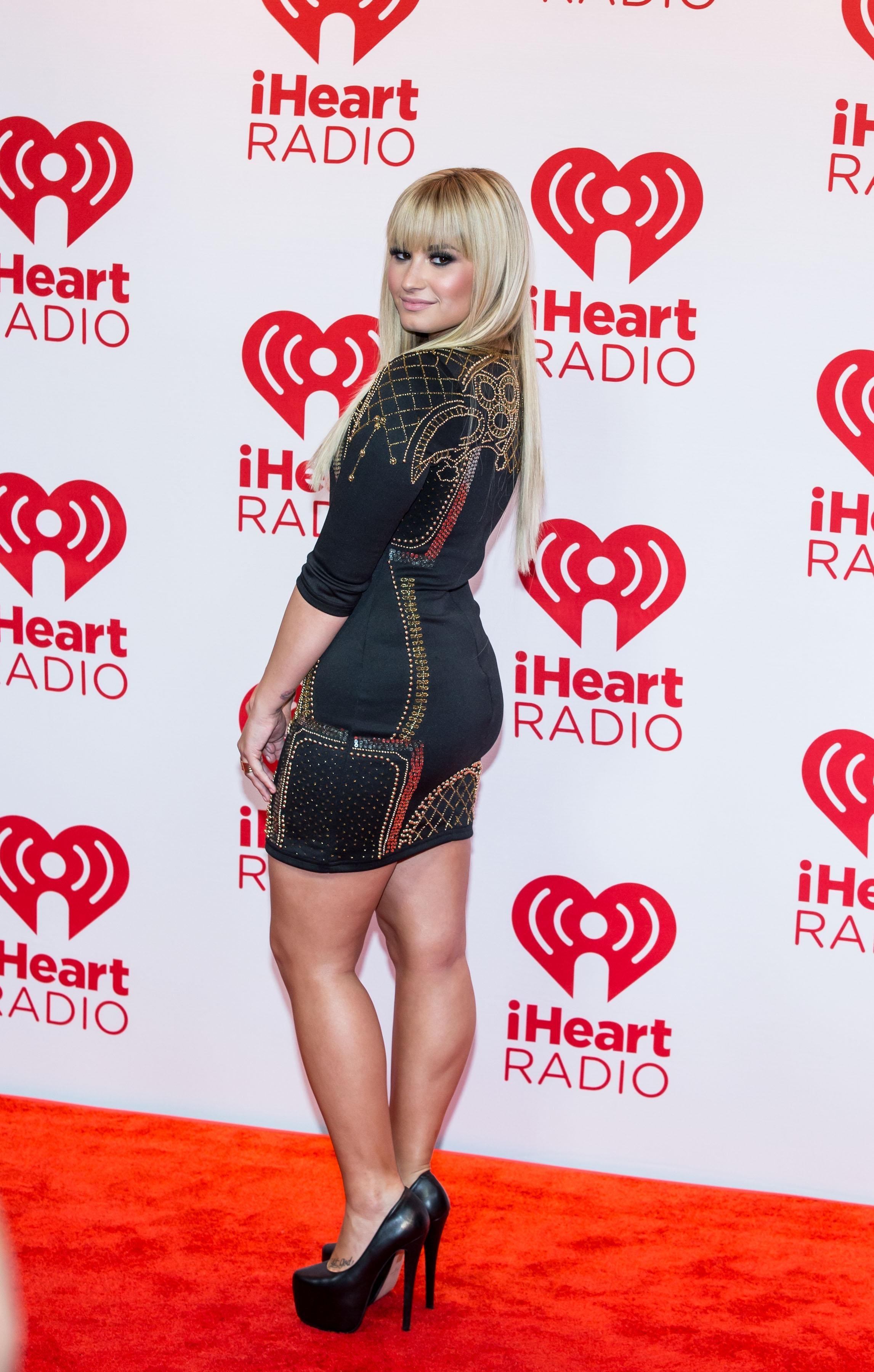 389394158_Demi_Lovato_iHeartRadioMusicFestival11_122_249lo.jpg